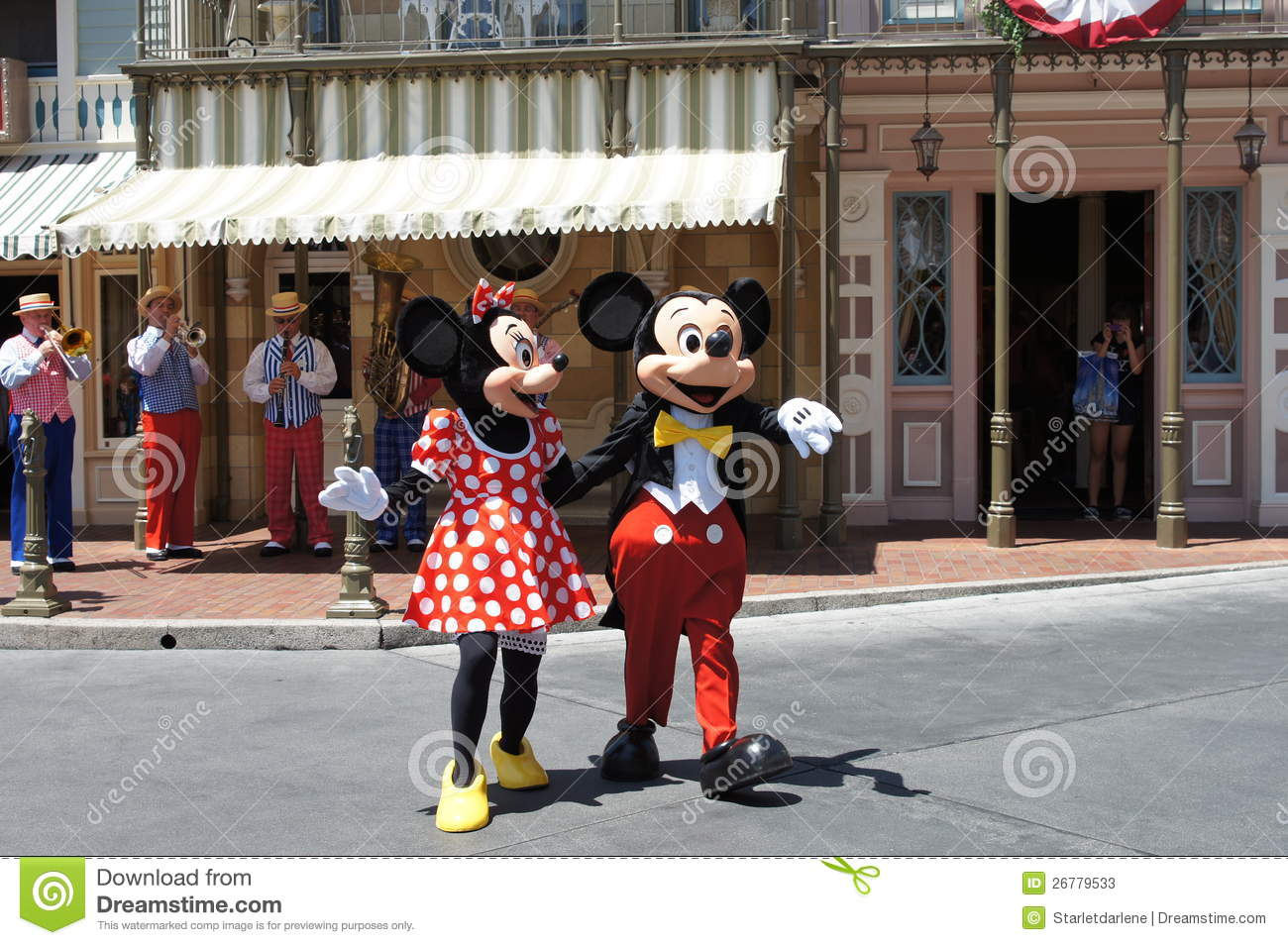Minnie och Mickey mus på Disneyland