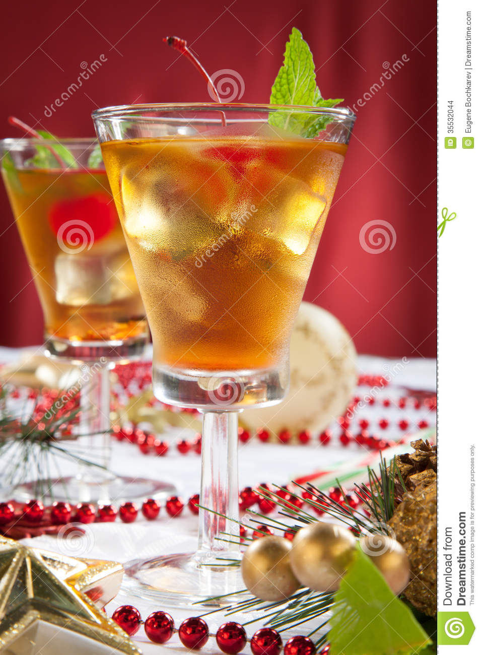 Mint manhattan stock images image 35532044 for Christmas cocktail decorations