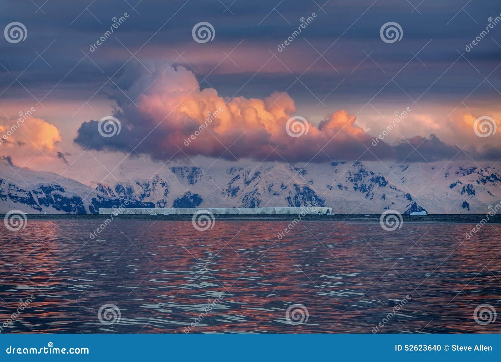 Minuit Sun - Drake Passage - Antarctique