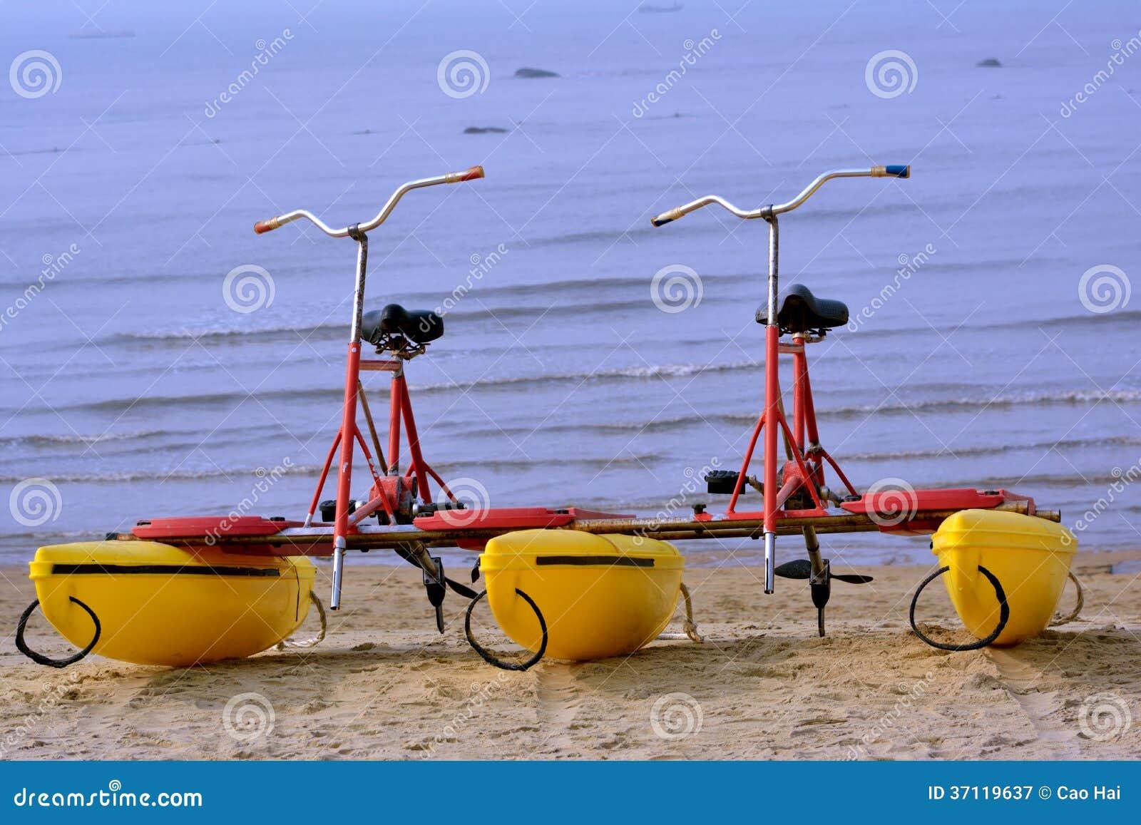 Miodesopsie Della Bicicletta Dal Mare Immagine Stock Immagine Di