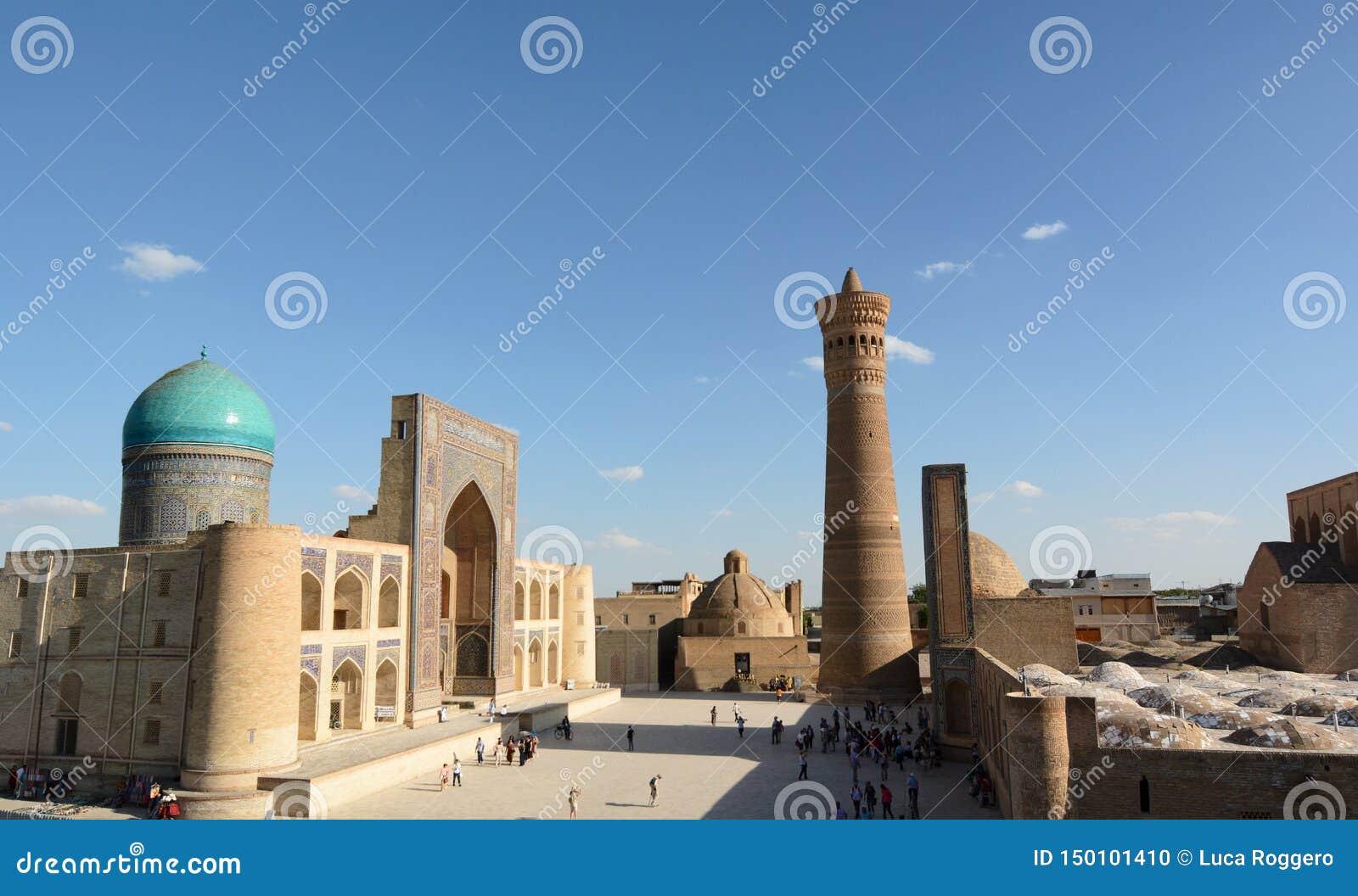 Mir-jag-arab madrasah, Kalyan minaret och Kalan moské Komplex Po-jag-Kalyan byggda uzbekistan