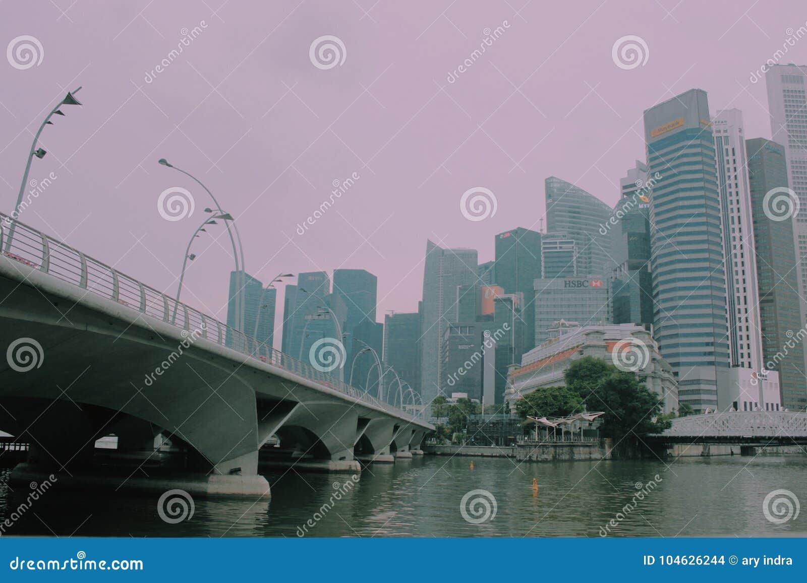 Download Mirakel van Singapore redactionele stock afbeelding. Afbeelding bestaande uit skyline - 104626244