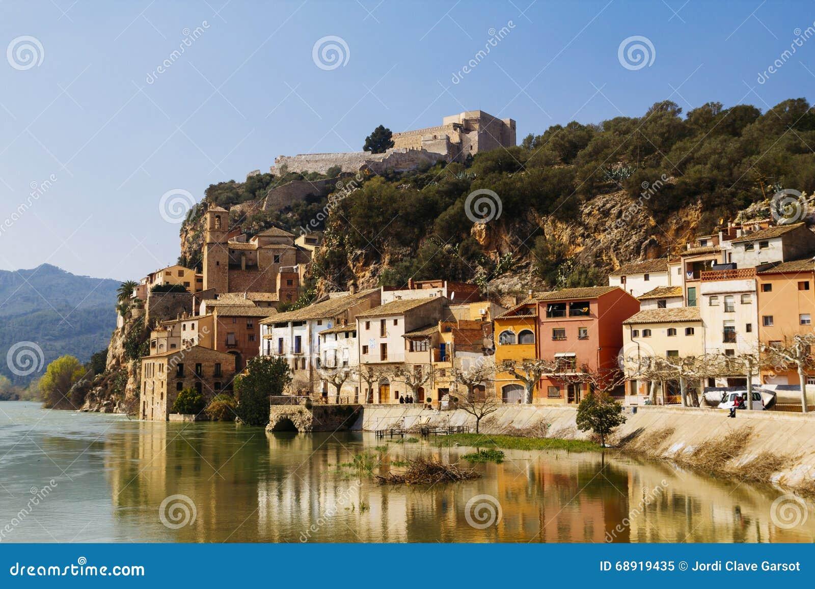 Miravet dorp in Catalunya, Spanje