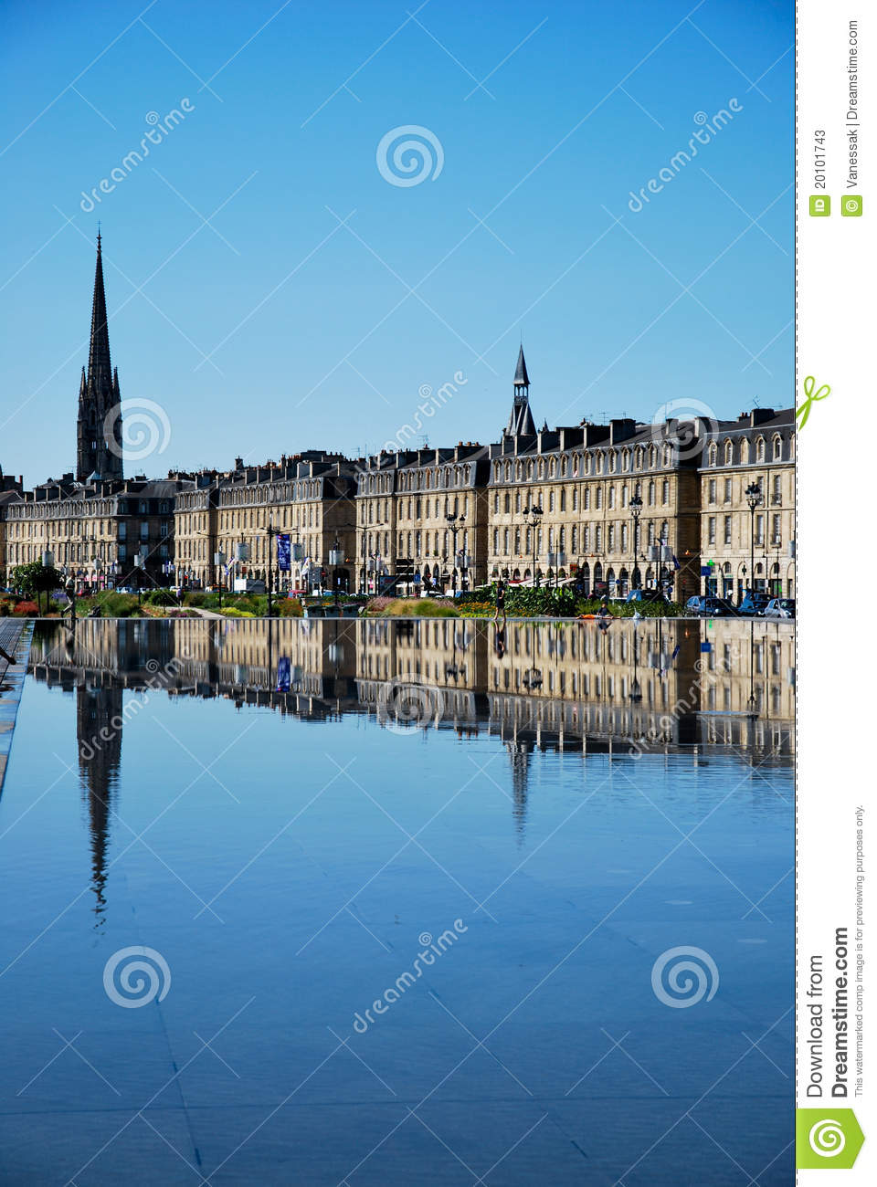Miroir de bordeaux image stock image du place c l bre for Miroir bordeaux
