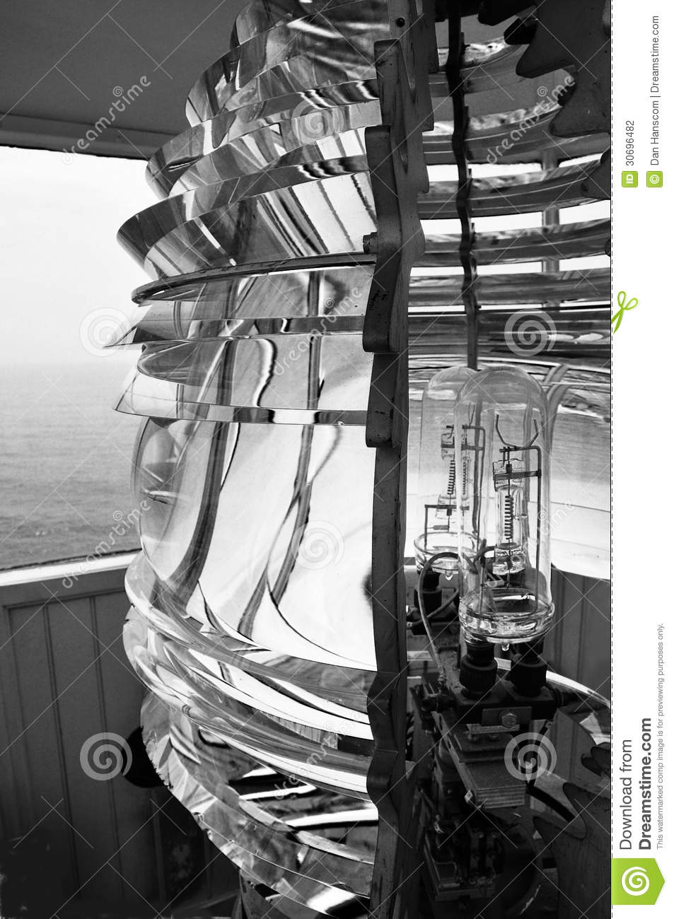 Miroir de phare photographie stock image 30696482 for Miroir noir download