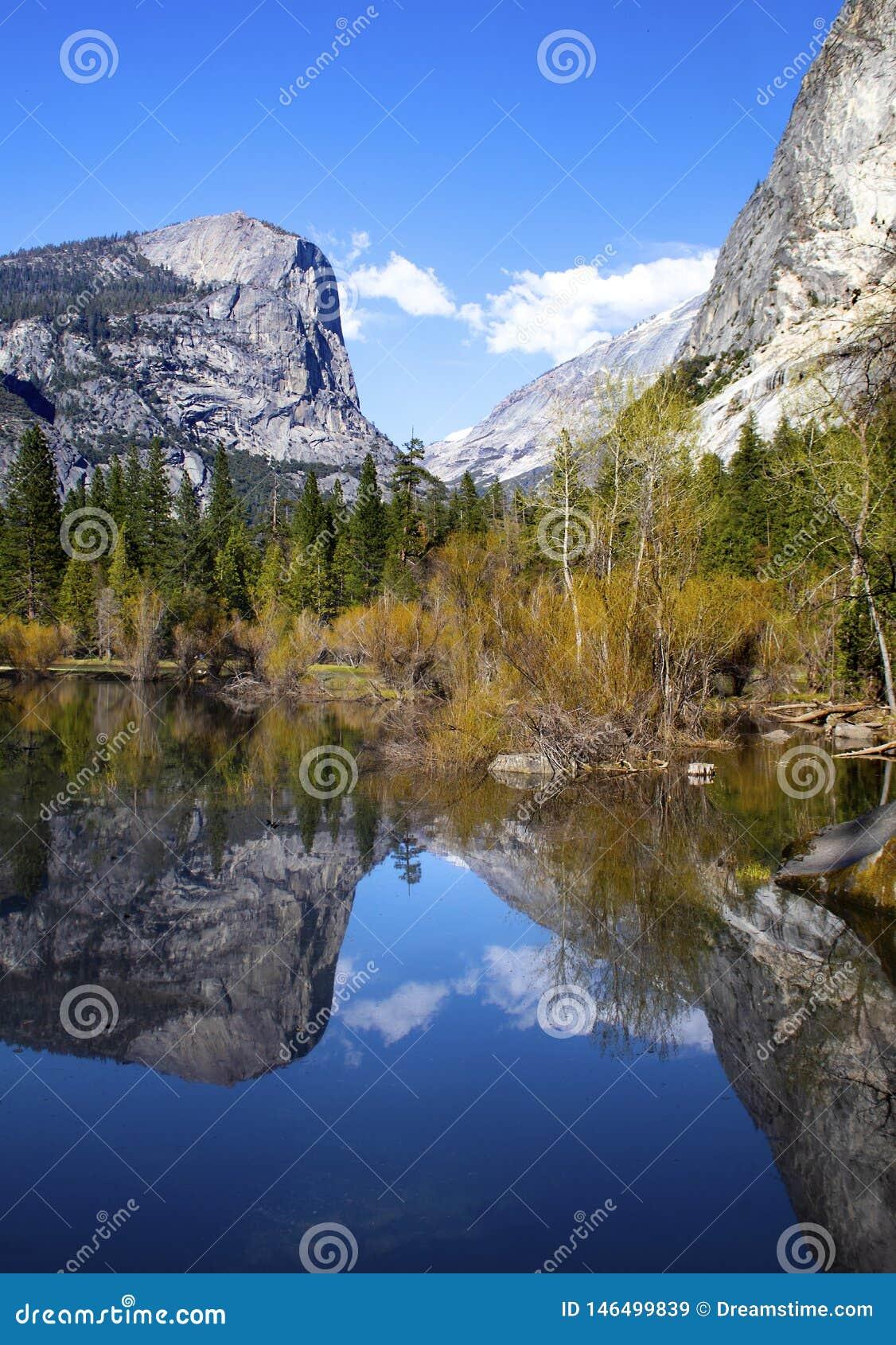 Mirror湖-优胜美地国家公园