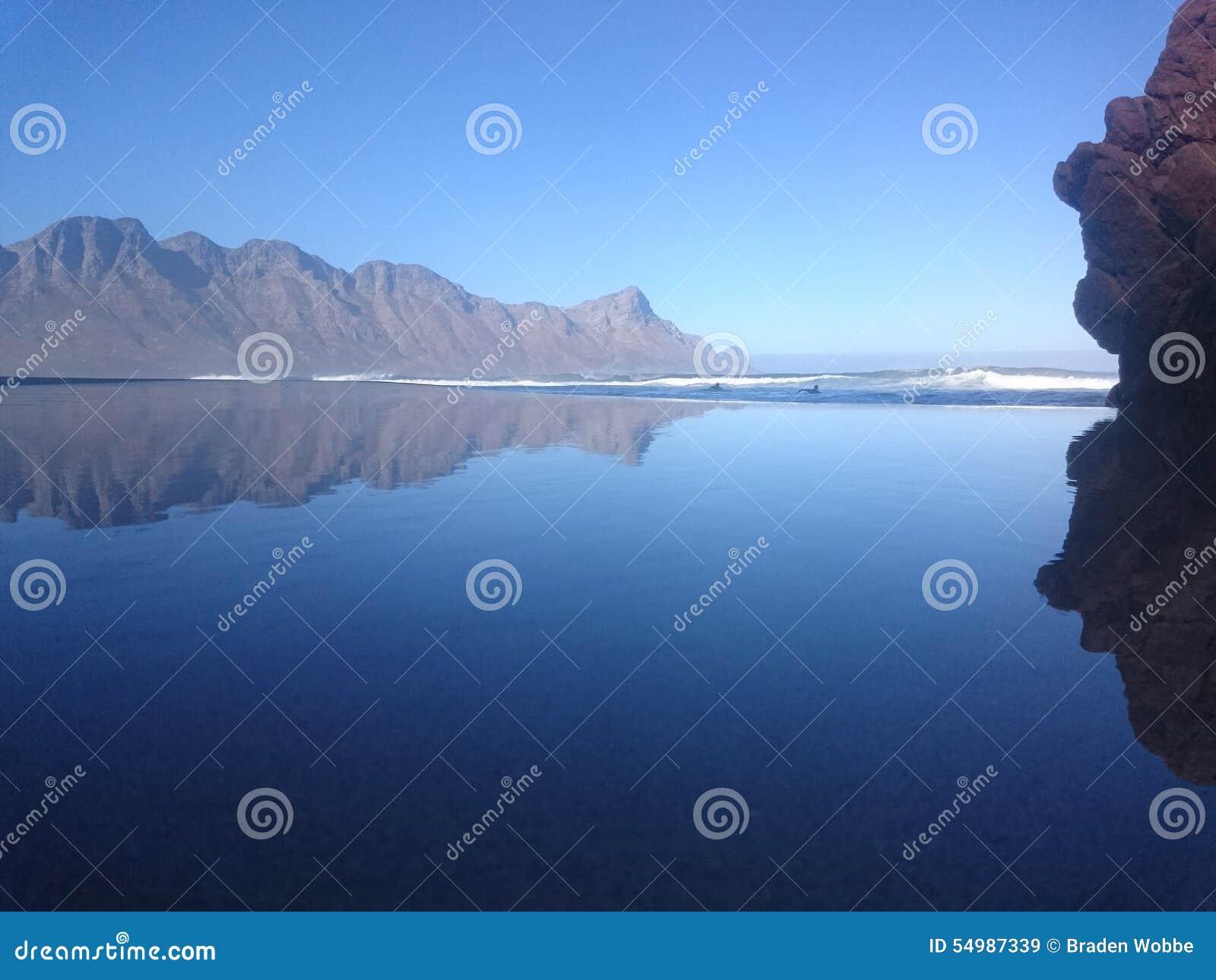 Mirrorglass strand