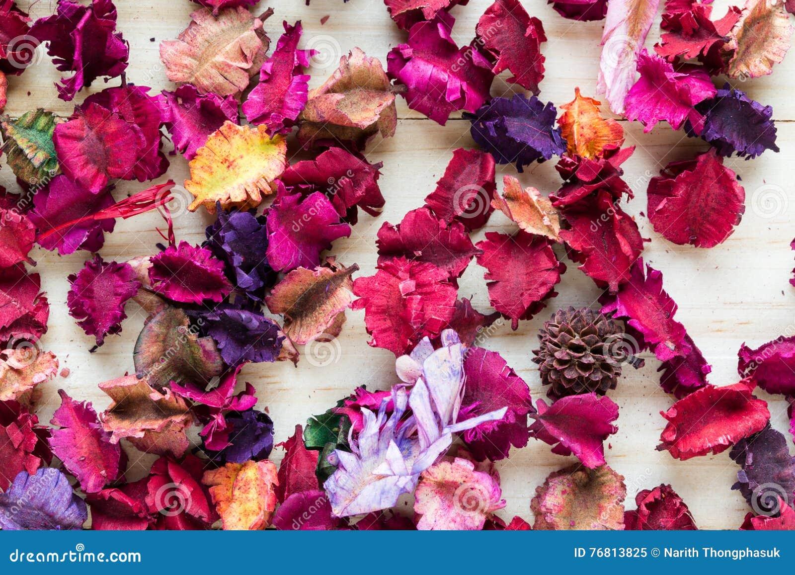 Miscela dei potpourri di aromaterapia dei fiori aromatici secchi