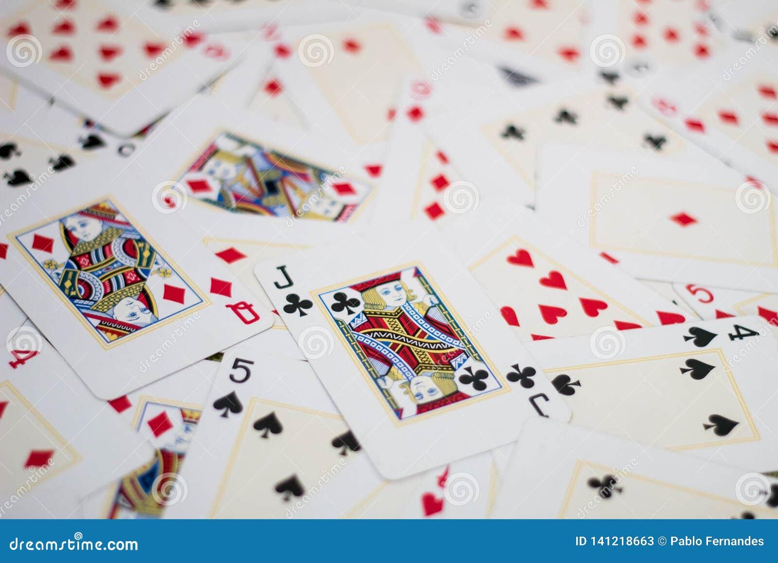 Mischkarten auf dem Tisch