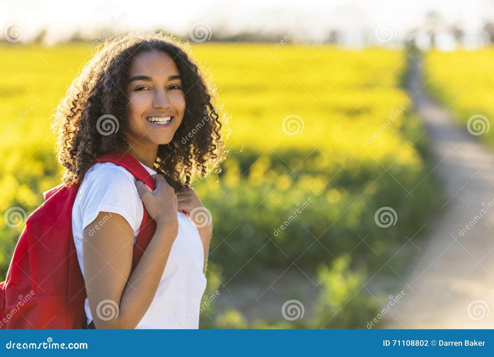 Mischrasse-Afroamerikaner-Mädchen-Jugendlich-Wandern