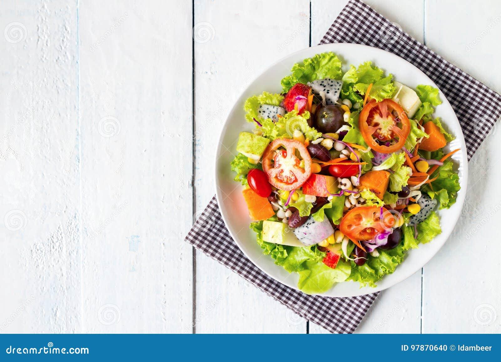Mischungsobst- und gemüse -salat