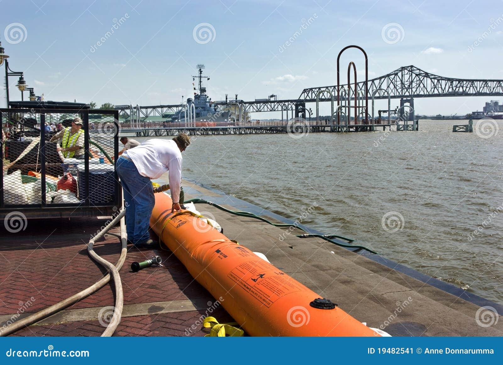 Mississippi River Flood Preparation Editorial Photo - Image