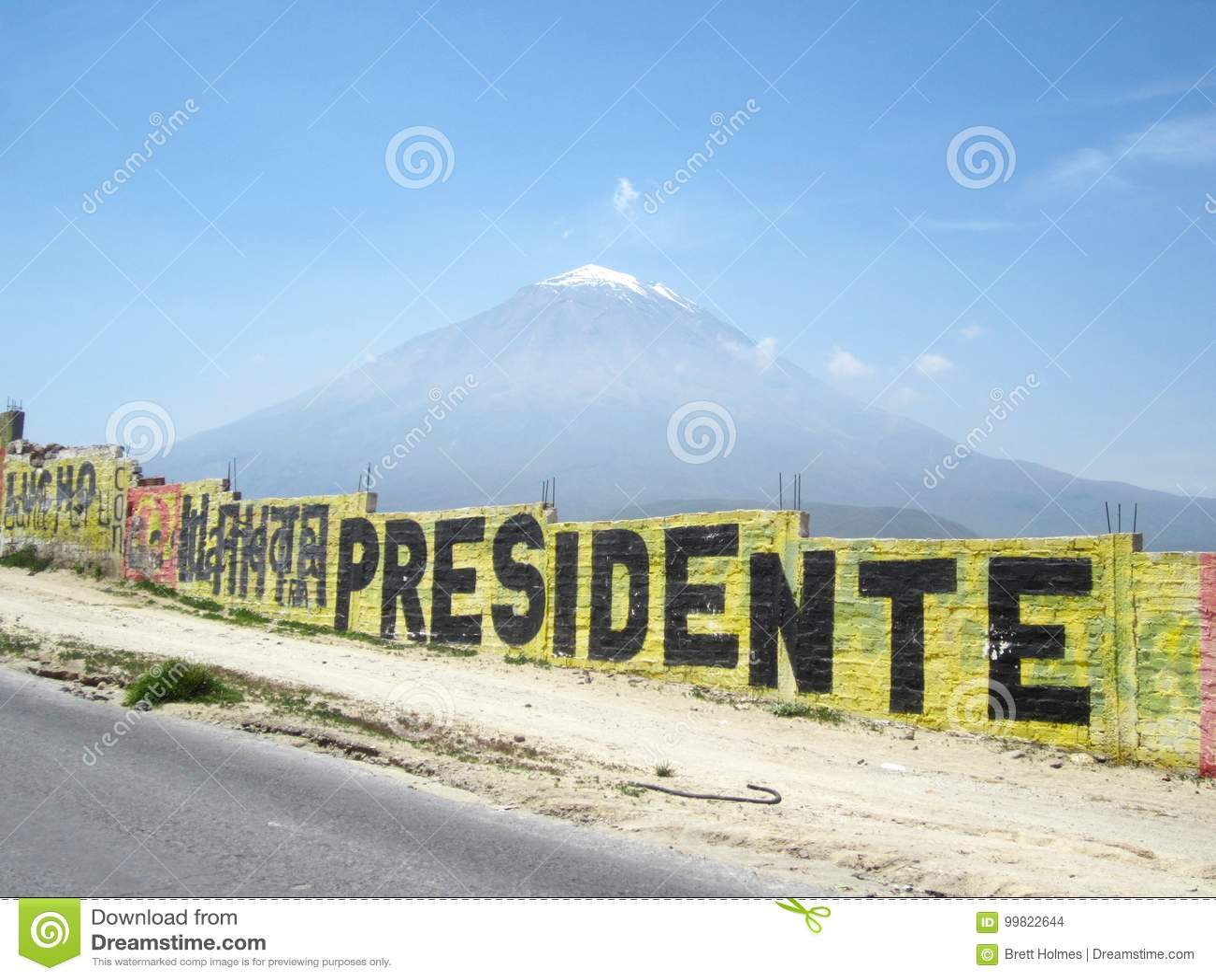 Misti góra blisko Arequipa, Peru z graffiti