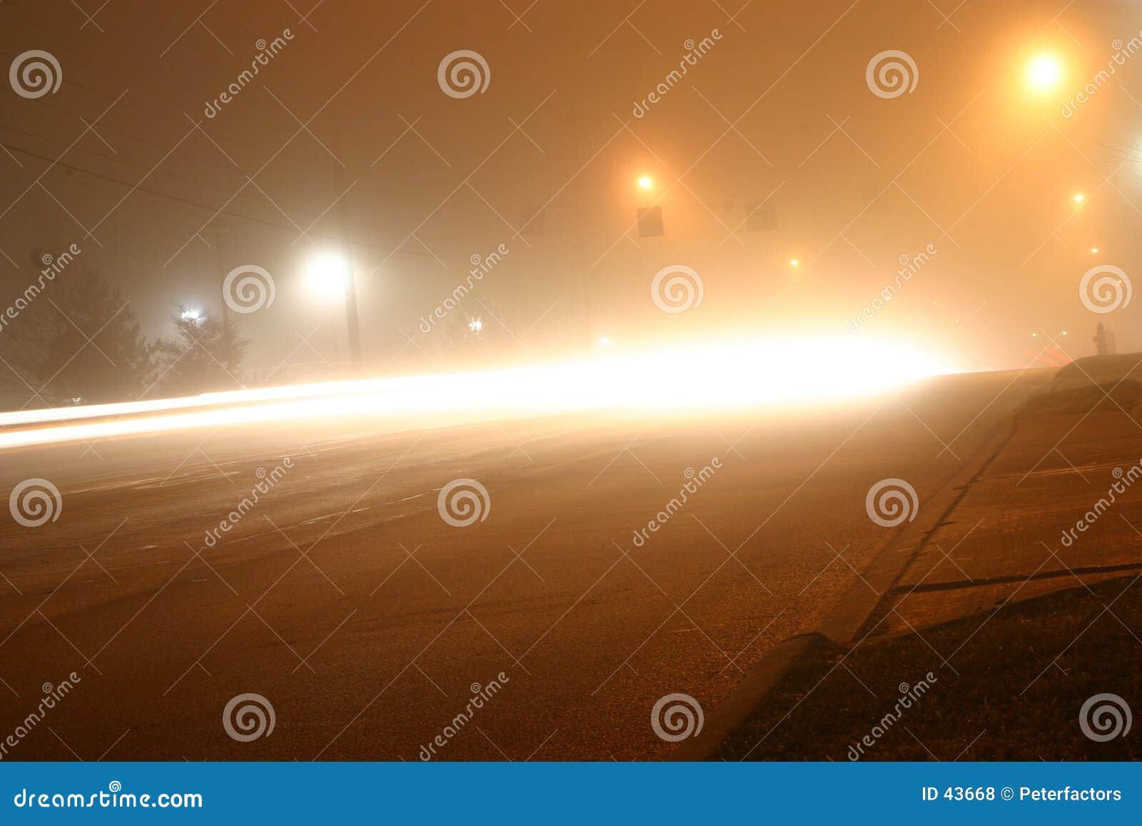 Download Mistige nacht stock foto. Afbeelding bestaande uit mystify - 43668
