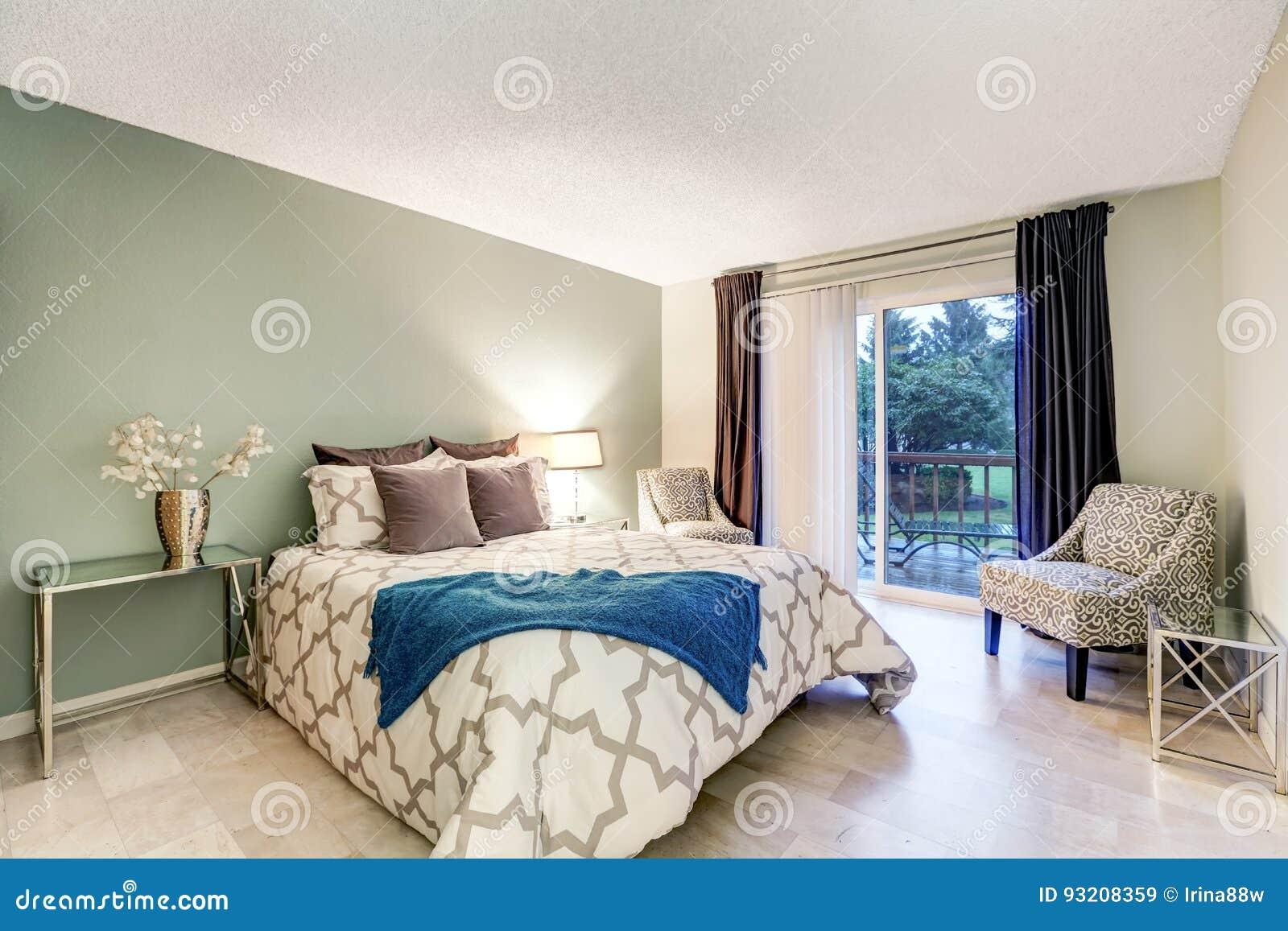 Mistrzowskiej Sypialni Wnętrze Z Beżu I Zieleni ścianami