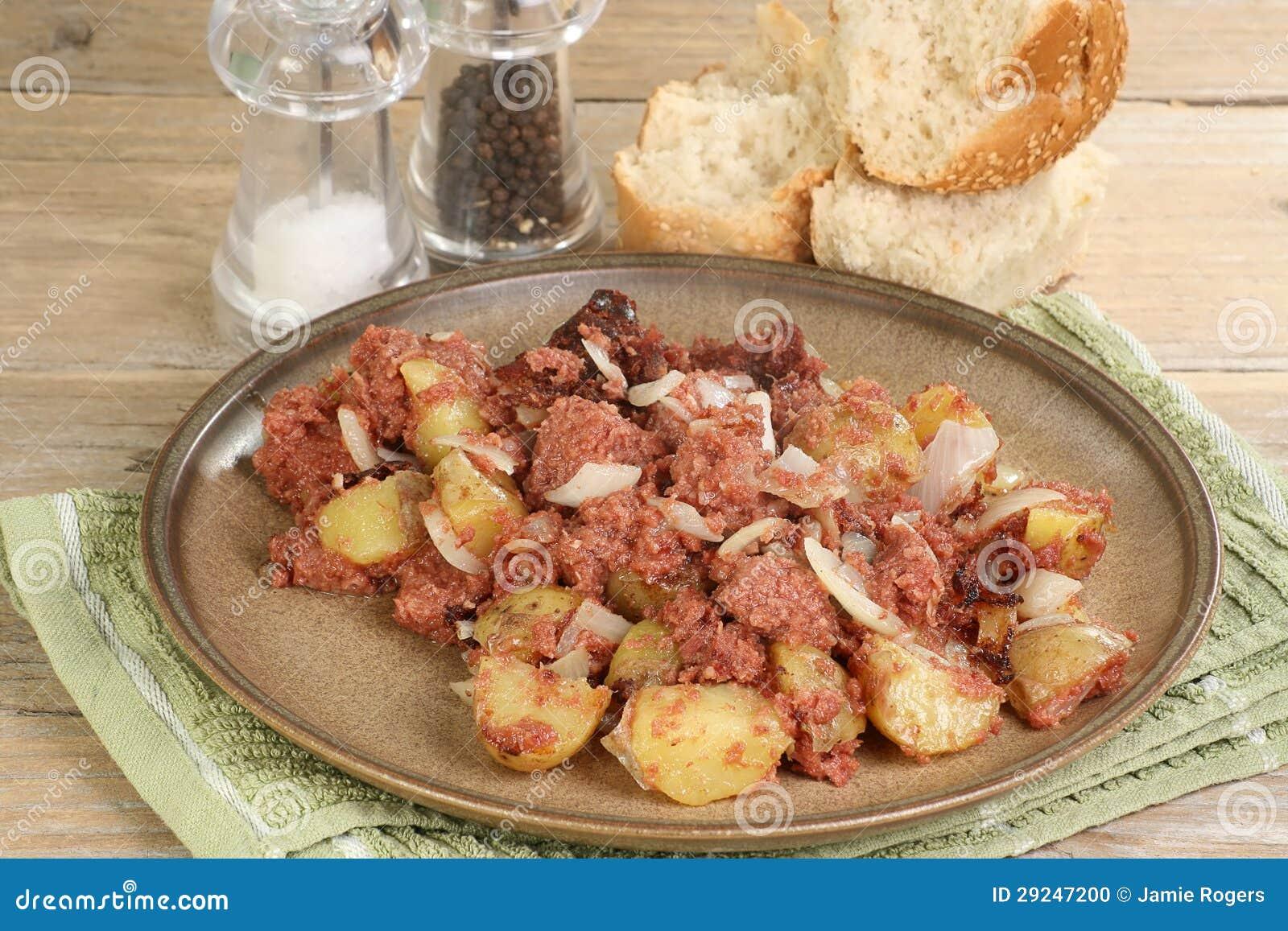 Download Mistura Da Carne Em Lata E Da Batata Foto de Stock - Imagem de cebolas, placa: 29247200