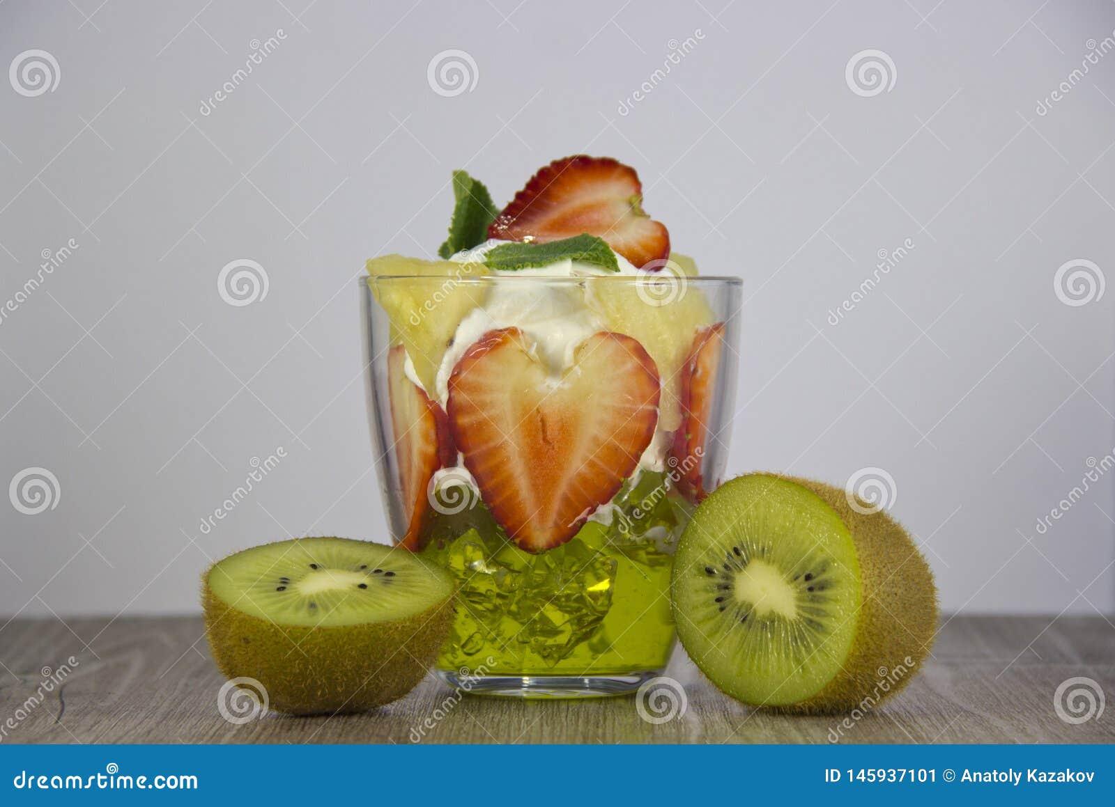Mistura de fruto fresco e de bagas