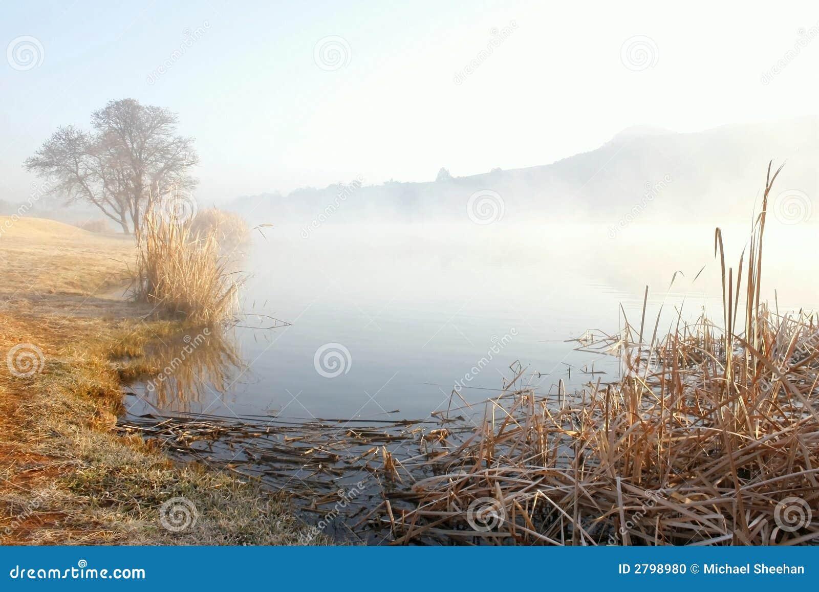 Misty nad jezioro.