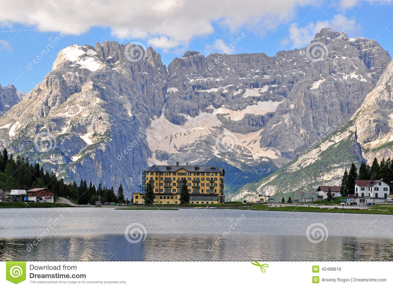 misurina see stockfoto bild von chalet dolomites europa 42498616. Black Bedroom Furniture Sets. Home Design Ideas