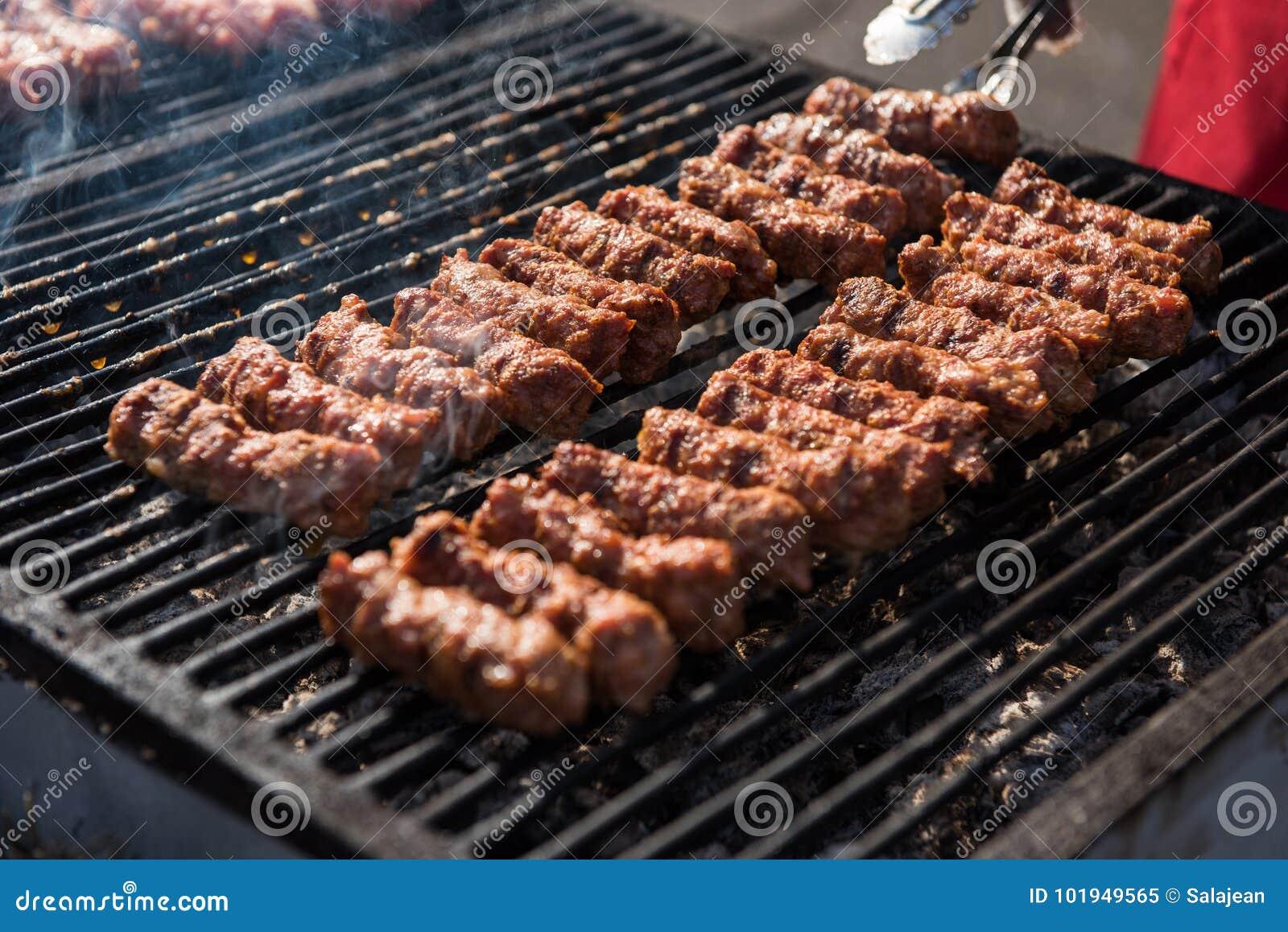 Mititei, mici,罗马尼亚传统肉卷