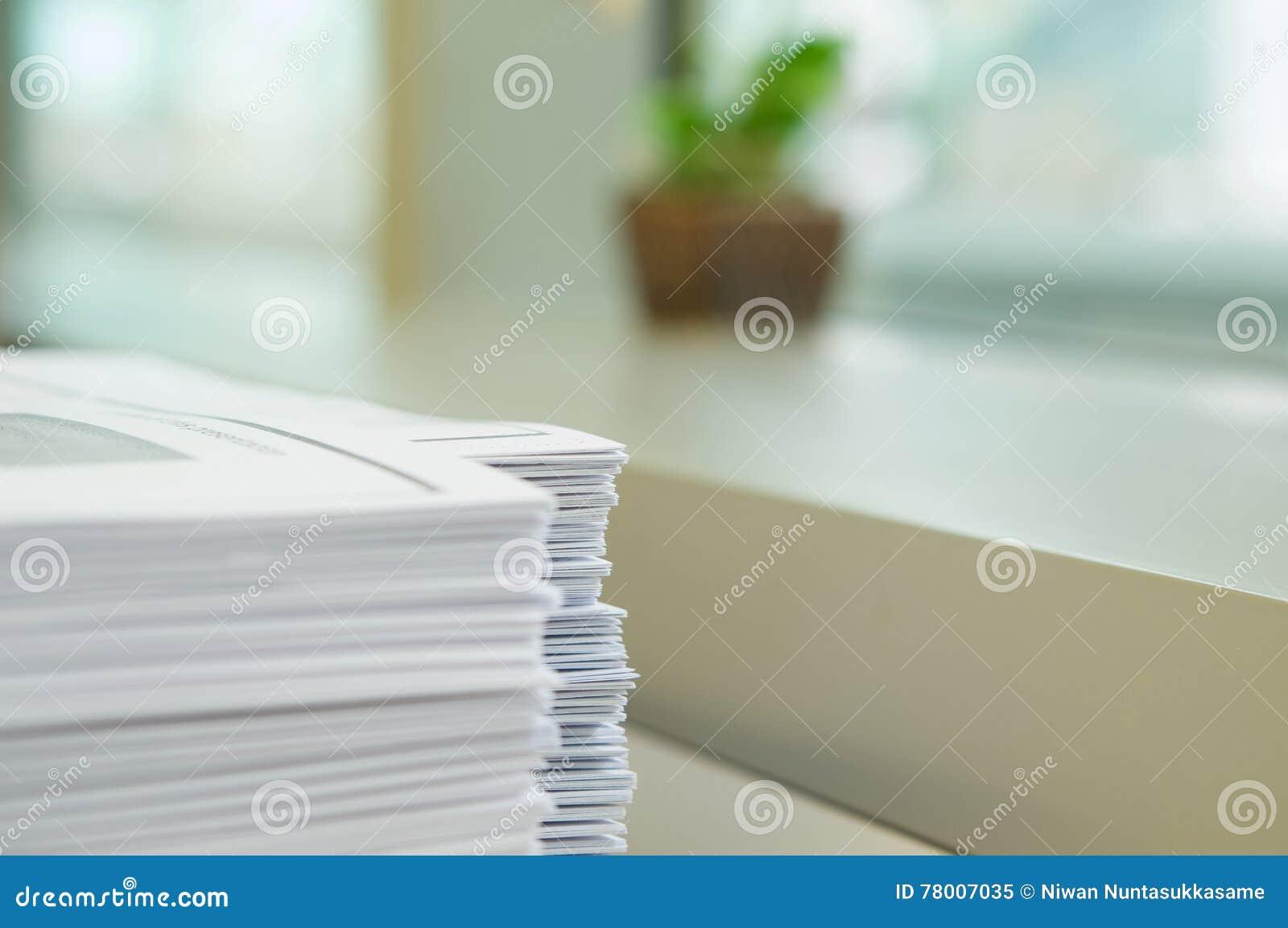 Mitteilungsblatt im Büro