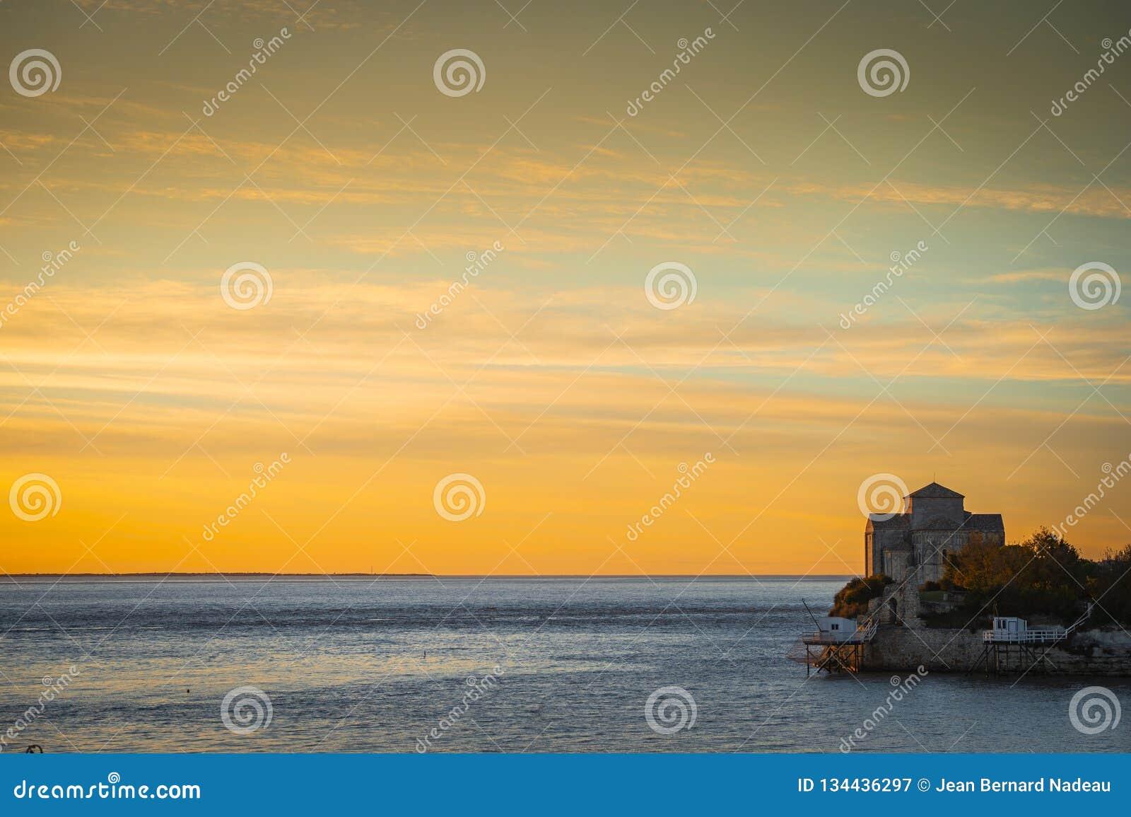 Mittelalterliche Kirche Sainte-Radegonde, Talmont-sur Gironde