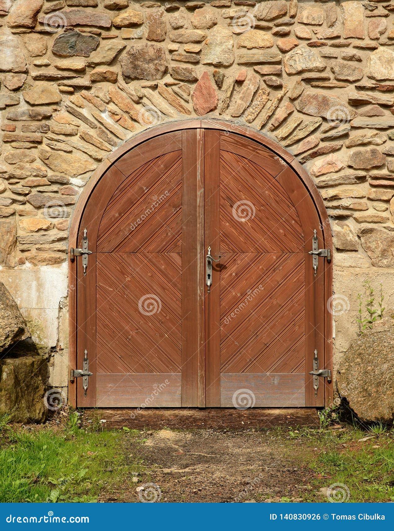Mittelalterliche Schlosstür