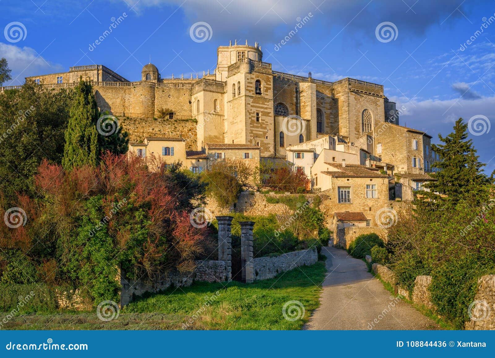 Mittelalterliche Stadt Grignan in Drome provencal, Frankreich