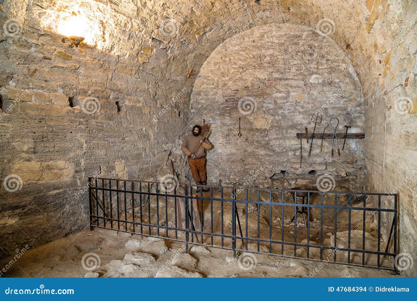 Mittelalterliches Gefängnis in Baba Vida-Festung