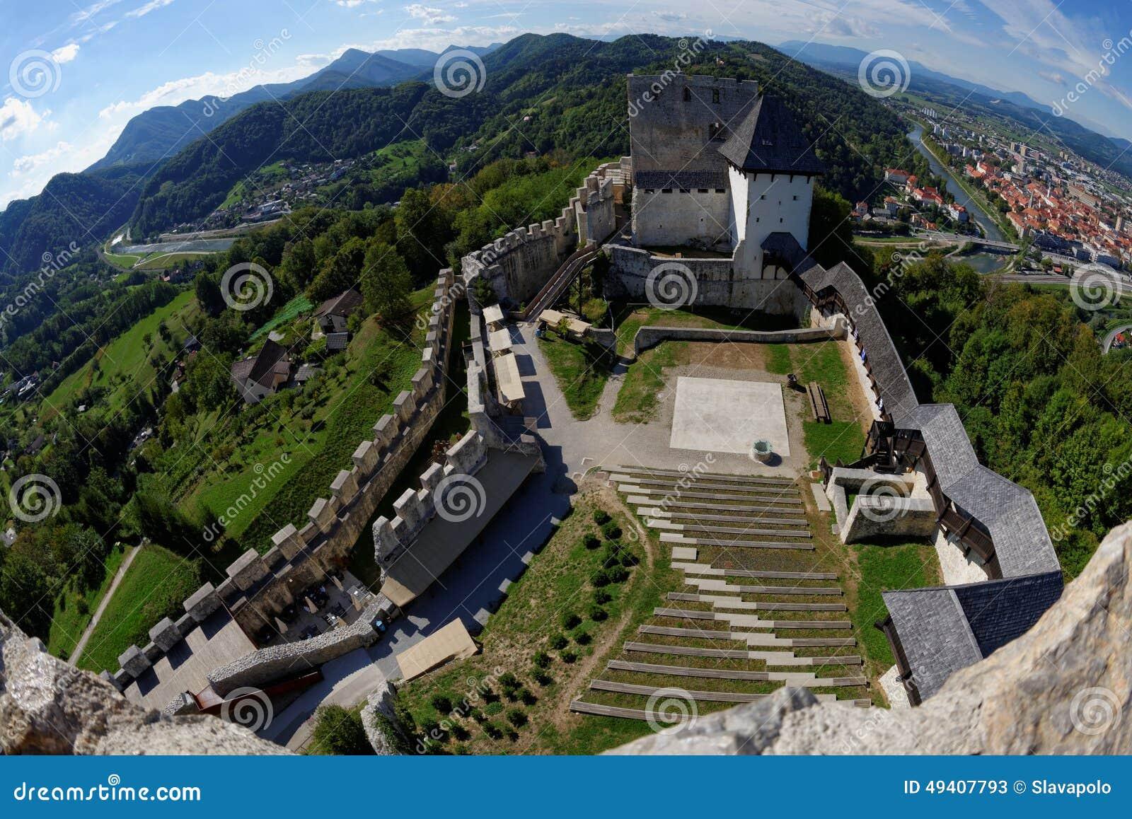 Download Mittelalterliches Schloss Celje In Slowenien über Dem Fluss Savinja Stockbild - Bild von architektur, geschichte: 49407793