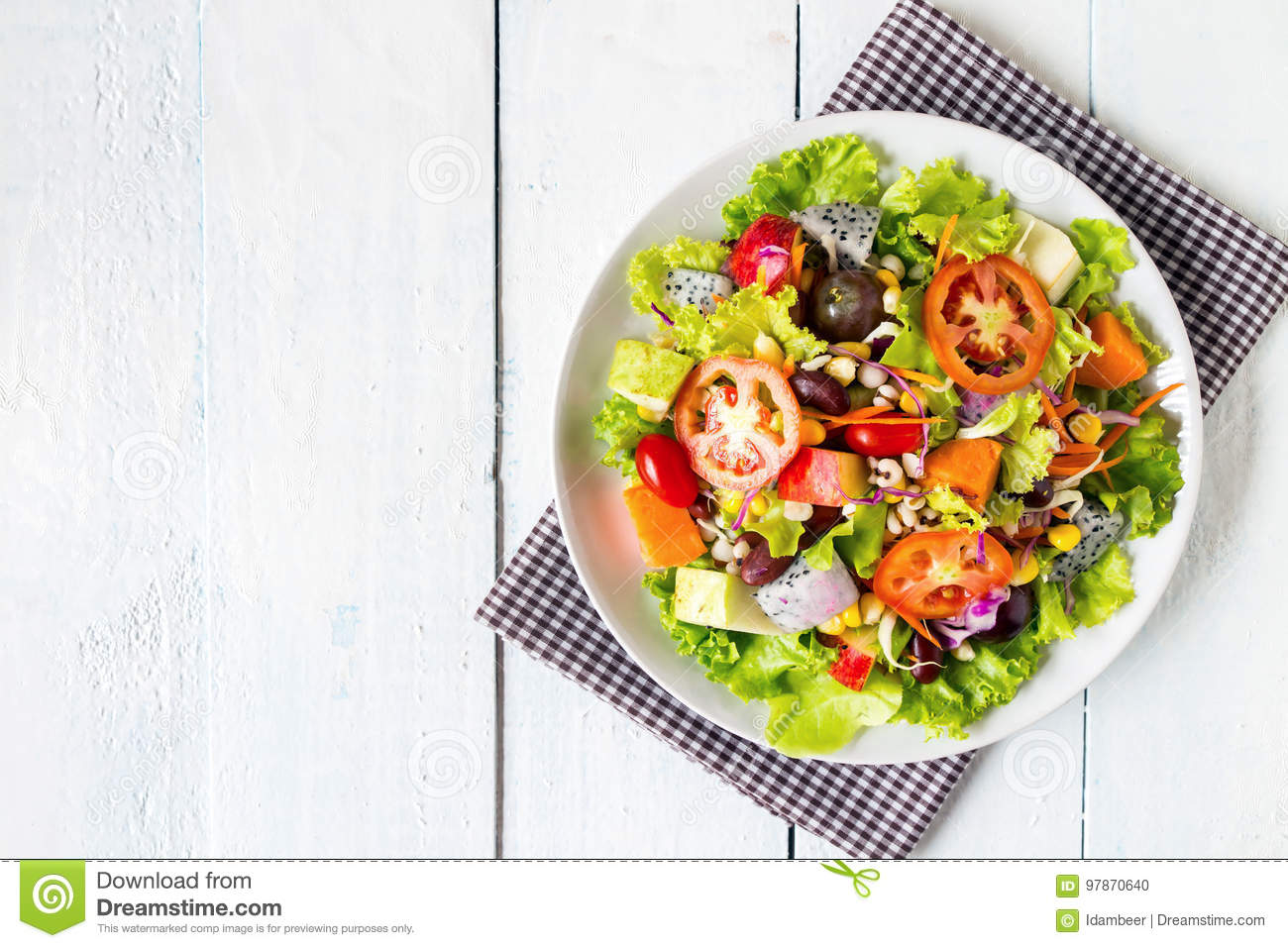 mix fruit and vegetable salad