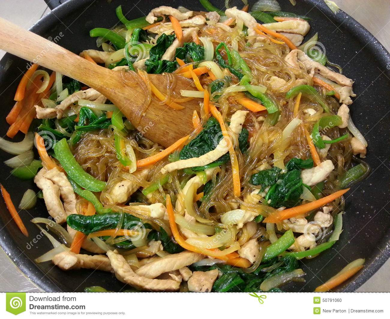 Mixed vegetables fried with korean noodle korean food for Cuisine korean