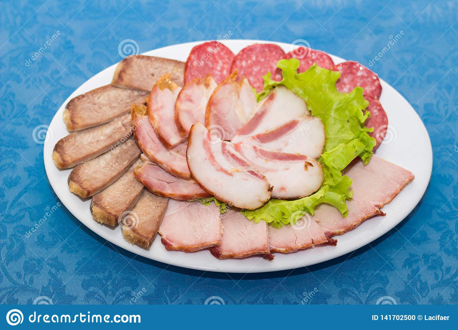 Mixture of sliced meat, sausage and ham