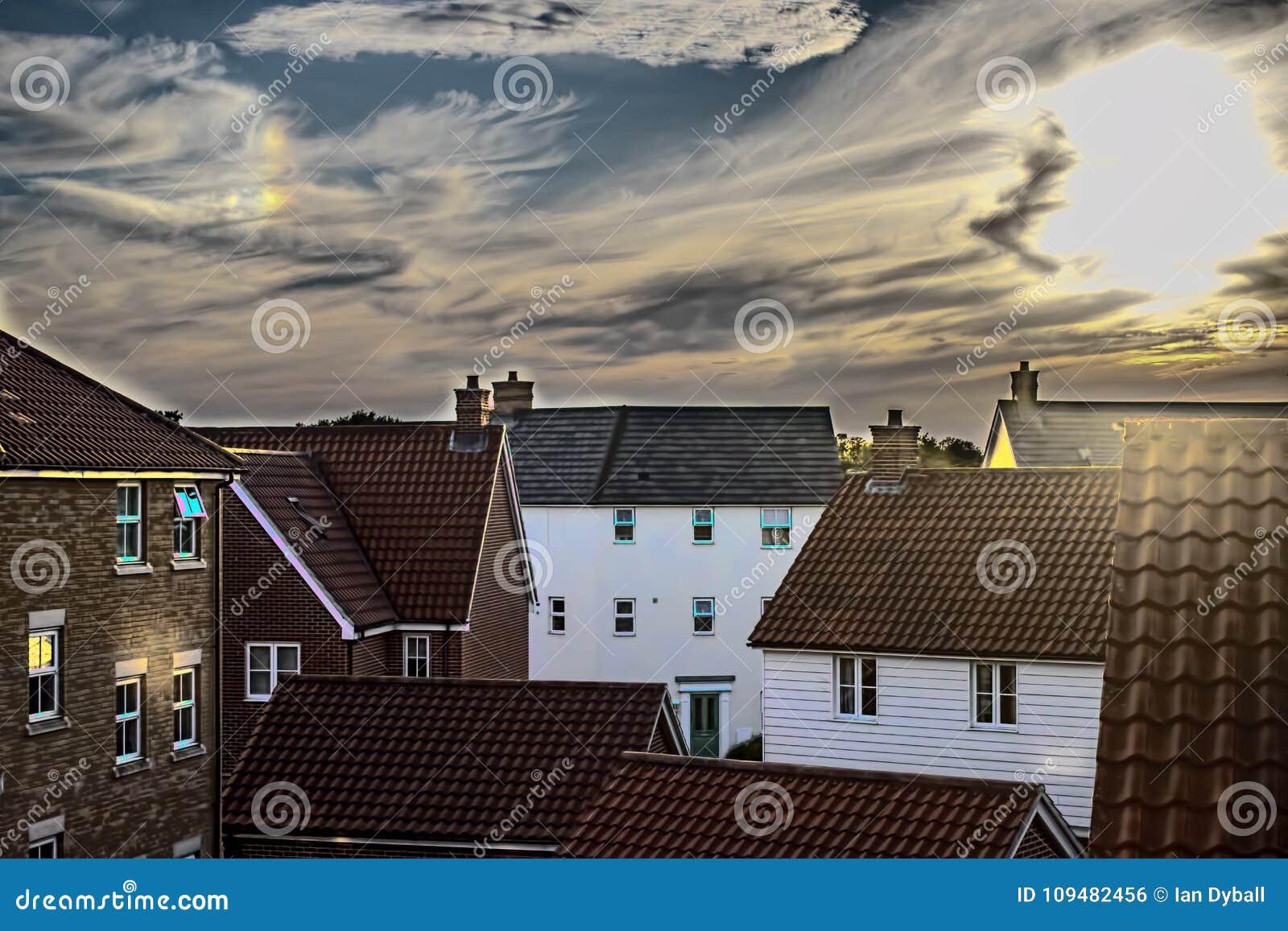 Mjukt dröm-som bild av ett modernt förorts- bostadsområde