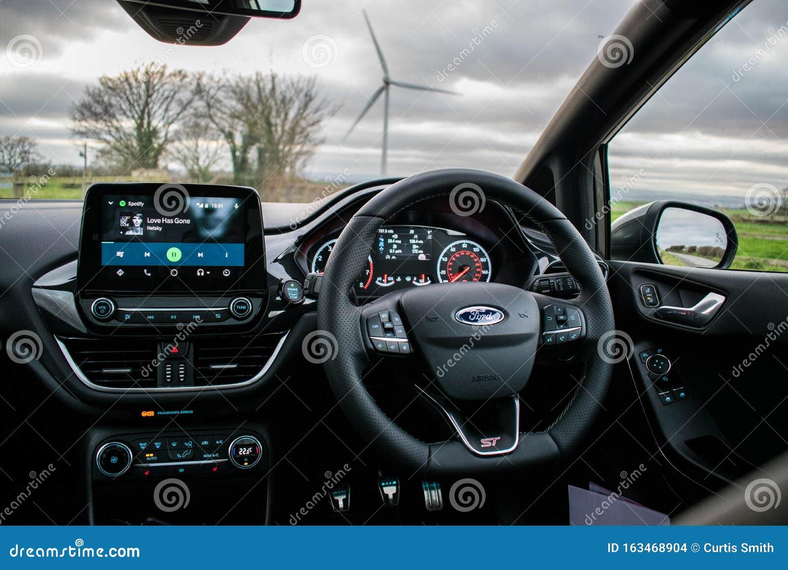 Mk8 Ford Fiesta St Interior Imagem De Stock Editorial Imagem De Ostentar Tiro 163468904