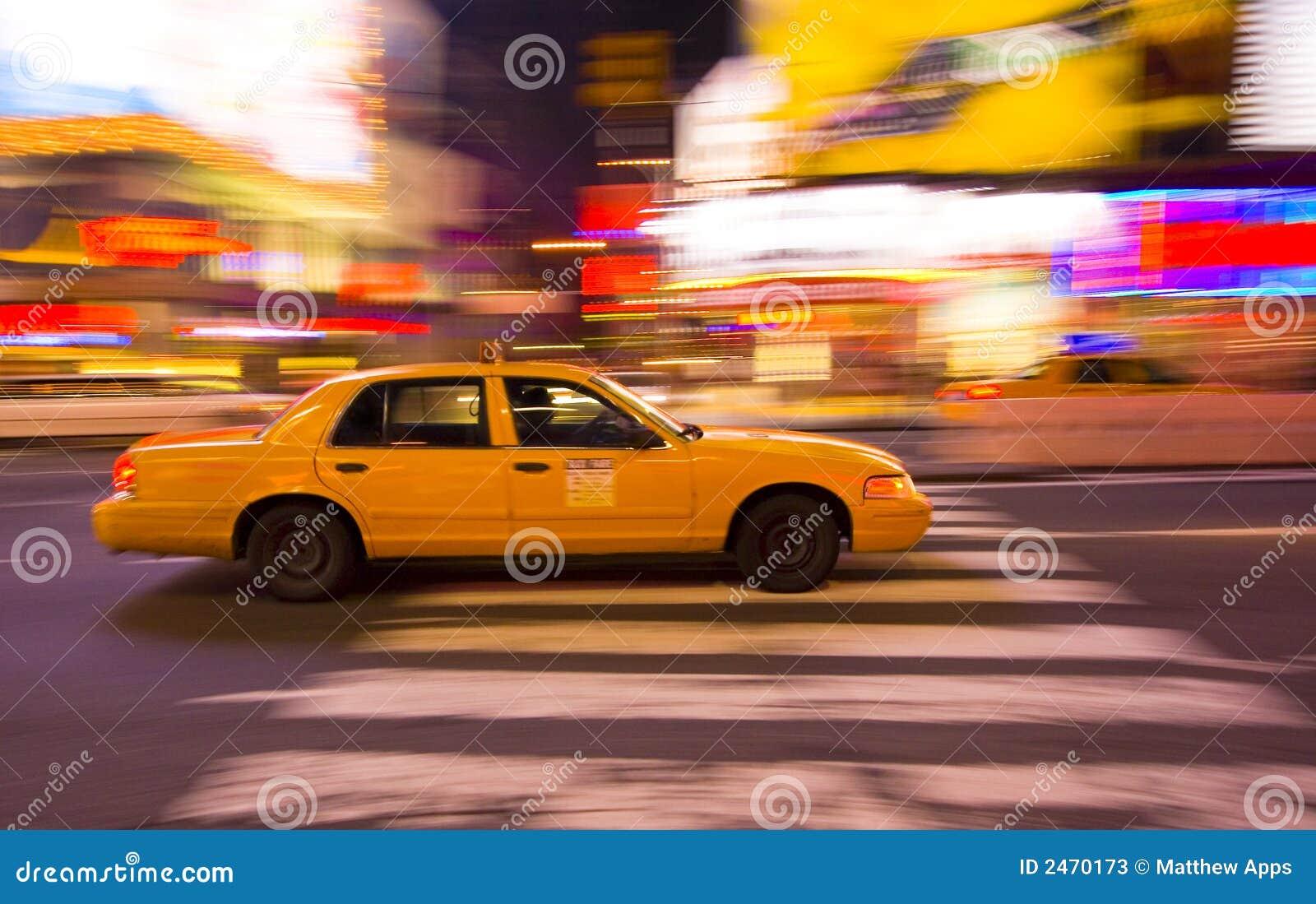 Mknięcia taksówki miasta taksówkę