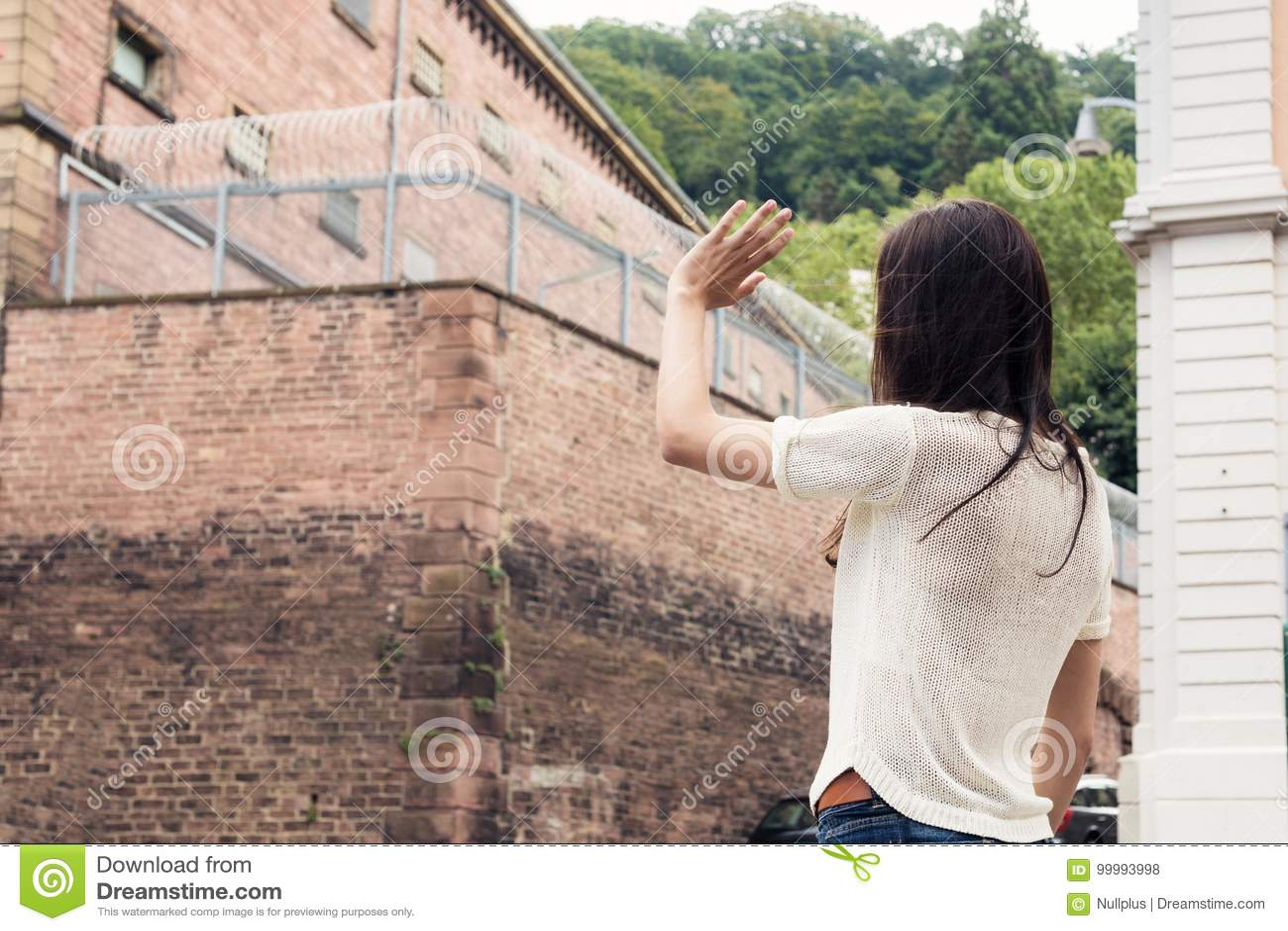 Mlles Her Imprisoned Boyfriend de jeune femme