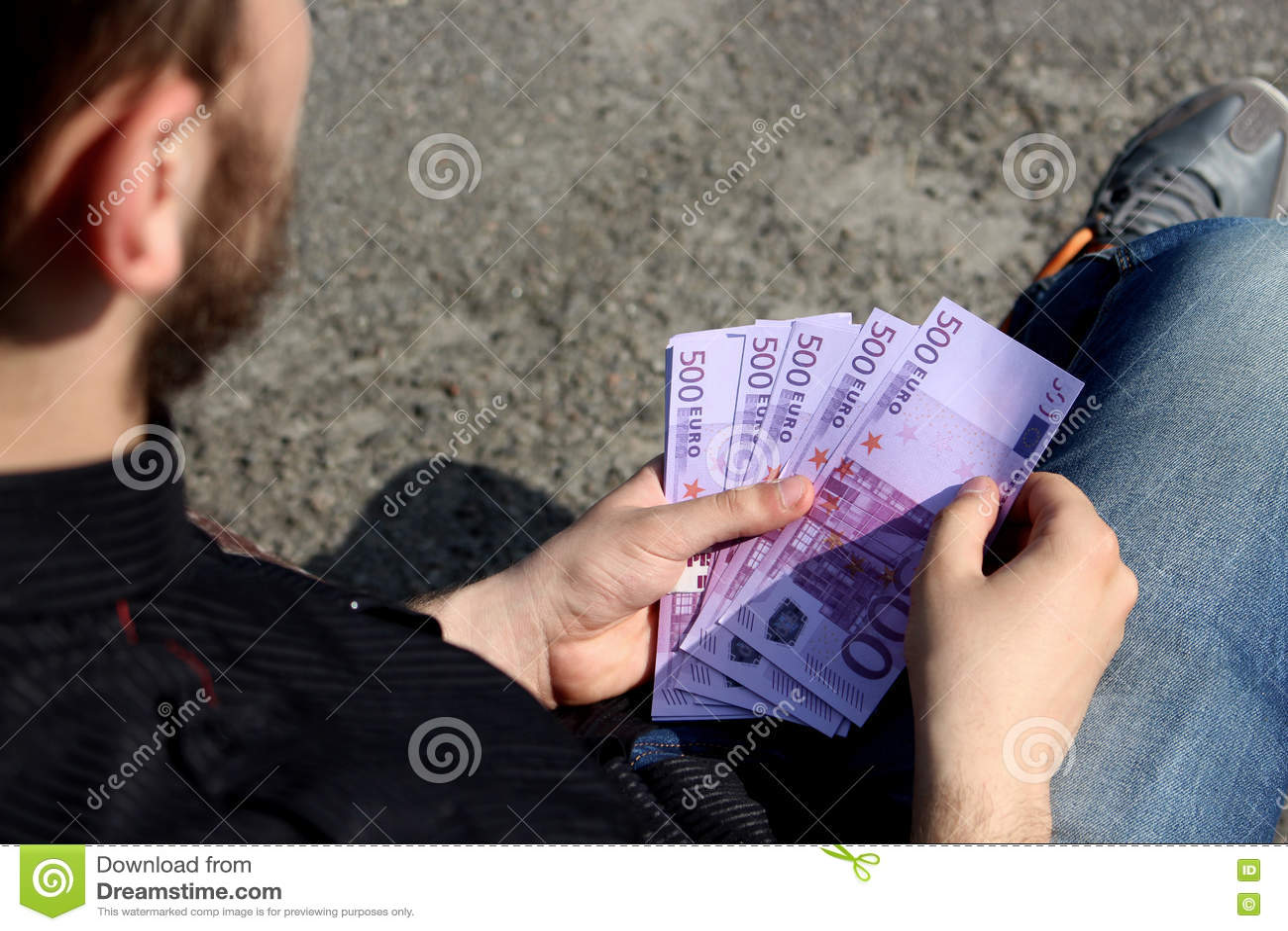 Mnóstwo pieniądze w rękach