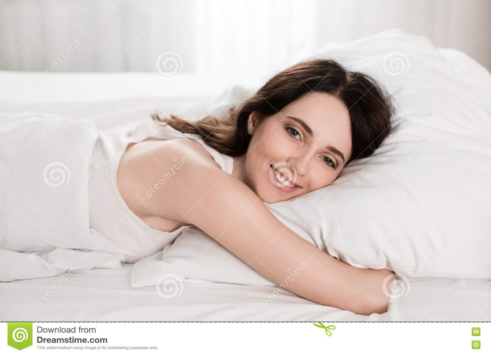young sleeping Naked girls