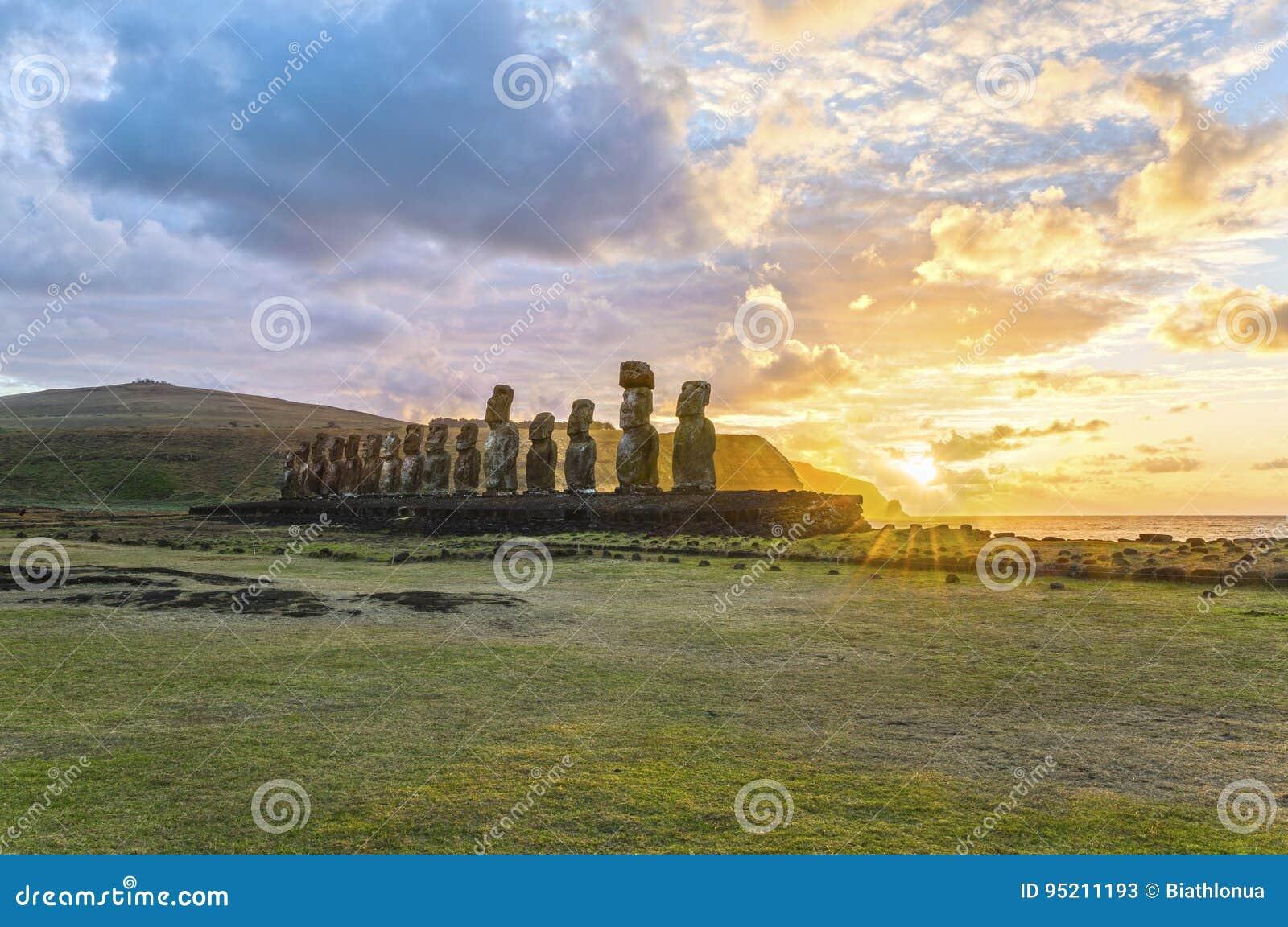 Moai Ahu Tongariki, Wielkanocna wyspa, Chile