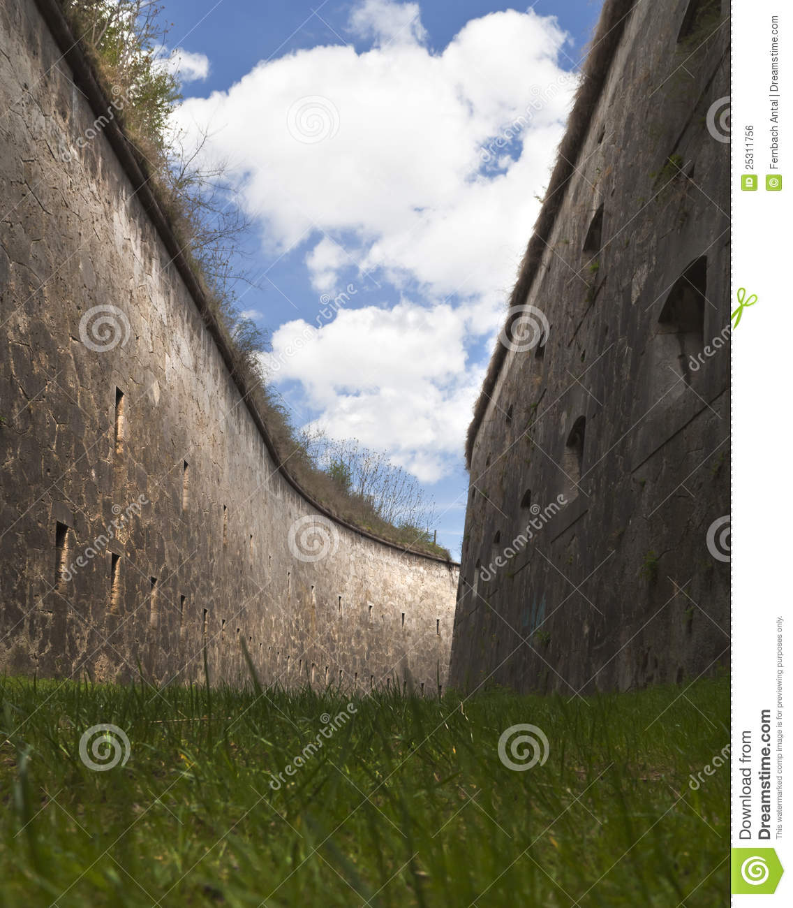 Download Moat stock photo. Image of blue, cloud, redoubt, curvature - 25311756