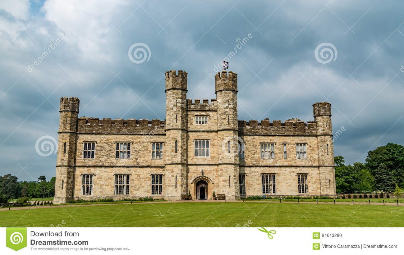 A Moated Medieval Castle In England Stock Photo