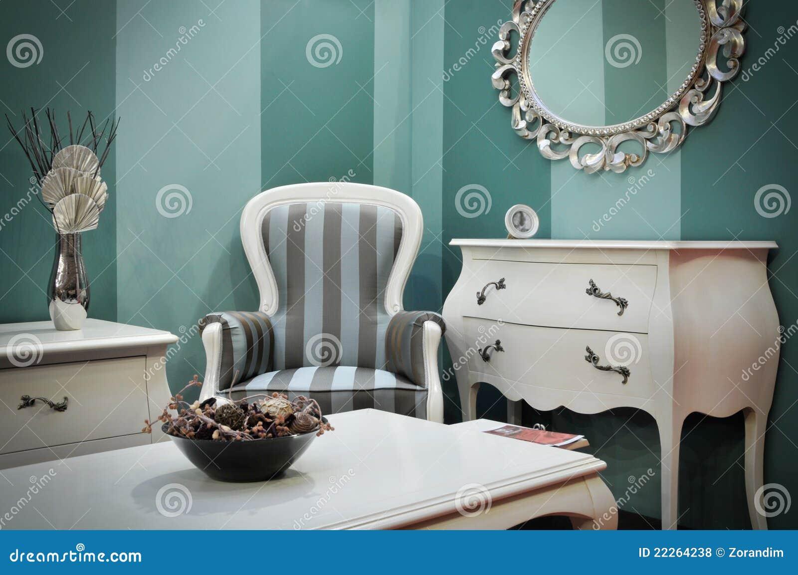 Mobília antiga