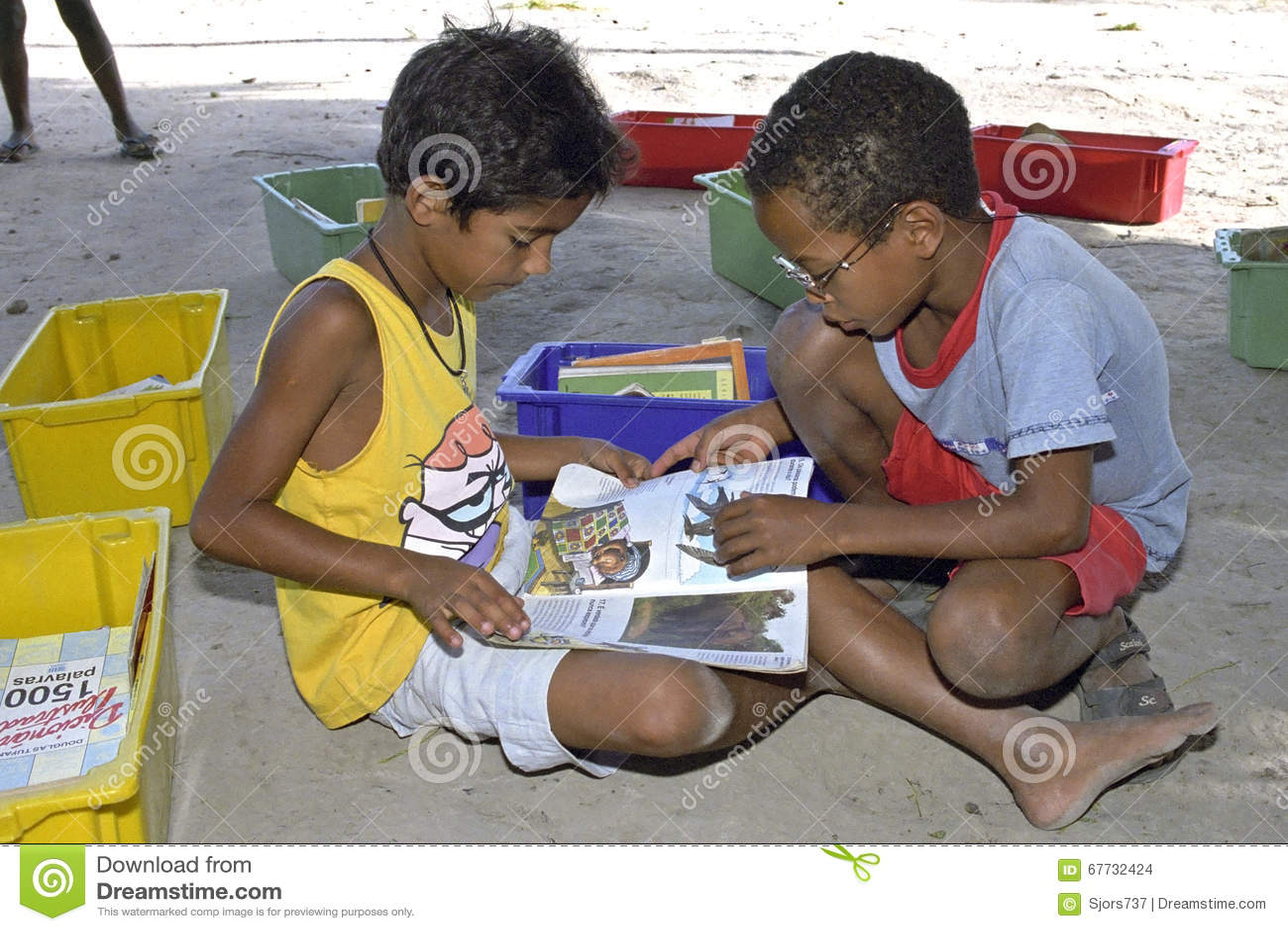 Mobiele bibliotheek op basisschool in Brazilië