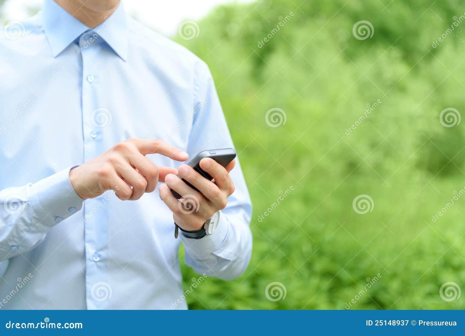 Mobiele telefoon ter beschikking