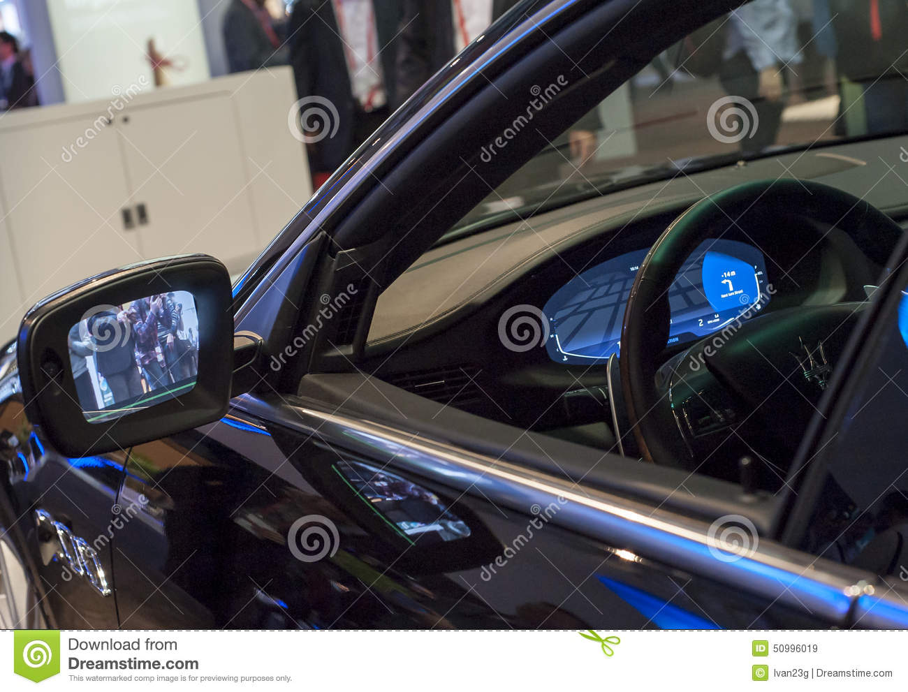 MOBILE WORLD CONGRESS 2015 - NEW CARS TECHNOLOGY