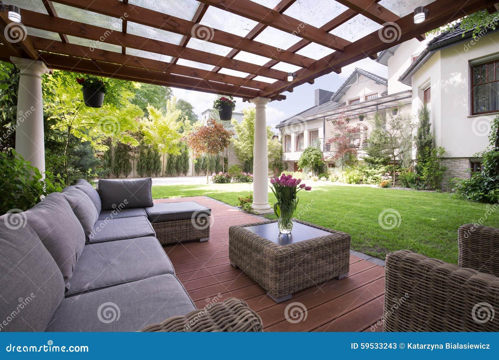 mobili da giardino di lusso immagine stock immagine di