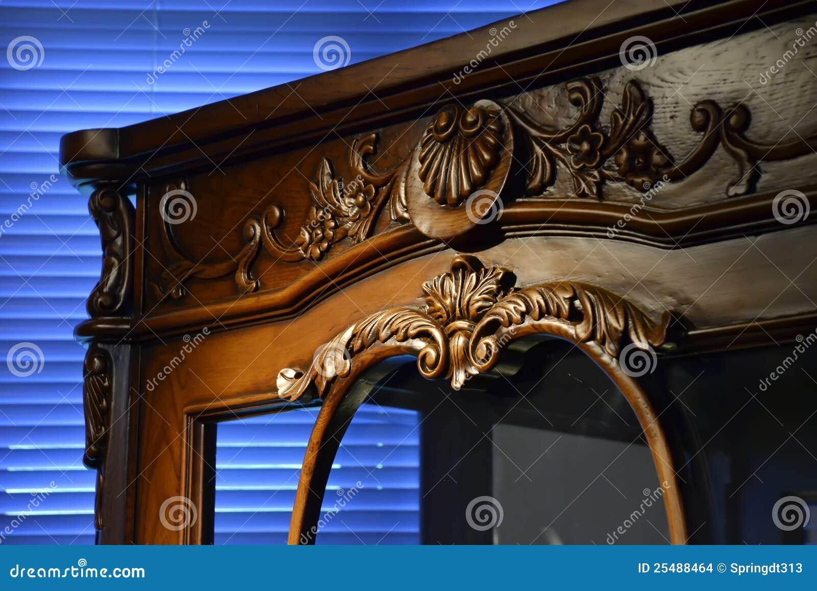 Mobilia antica fotografia stock immagine di macro brown for Mobilia download