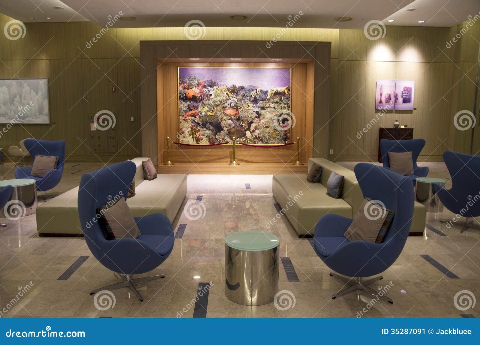 Mobilia moderna nell 39 ingresso dell 39 albergo di lusso for Mobilia download
