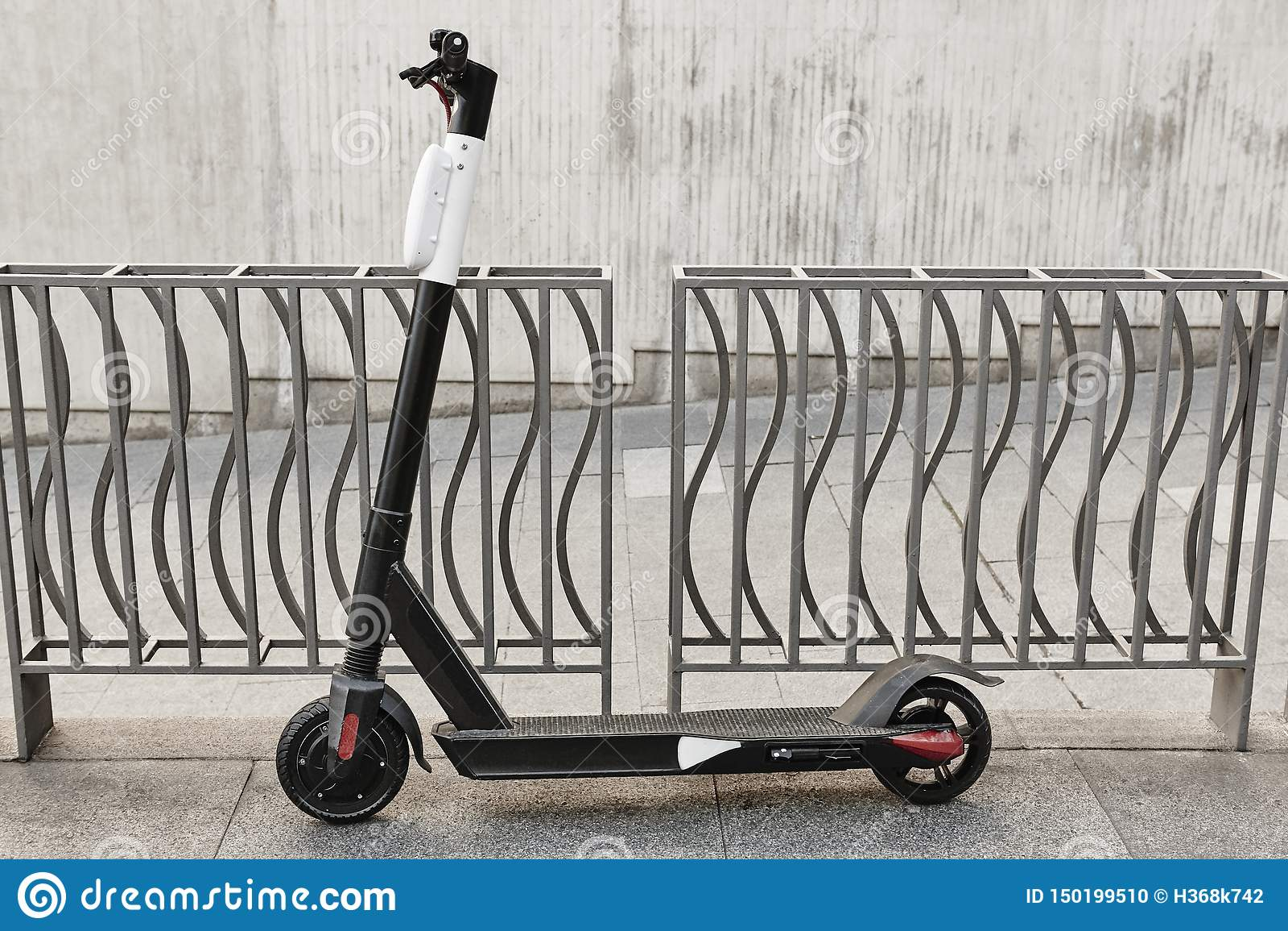 Mobilidade urbana sustentável  trotinette  na cidade Transporte el?trico